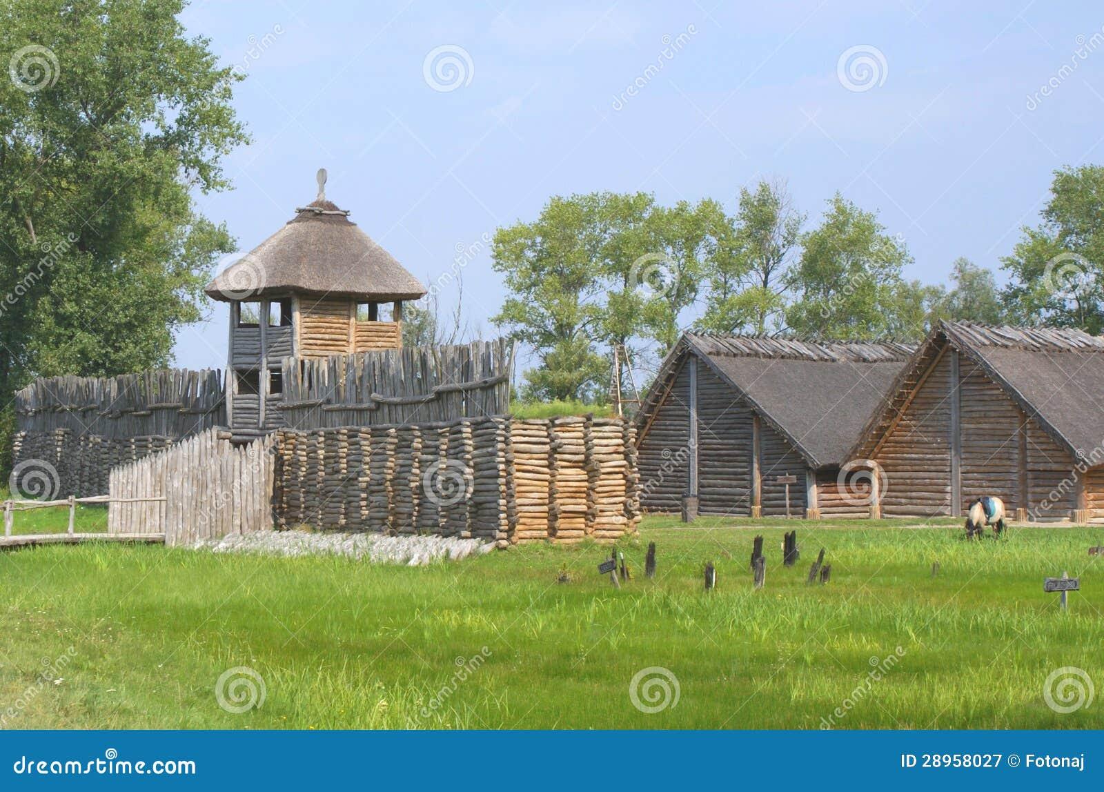 Kraj Biskupin, Polska