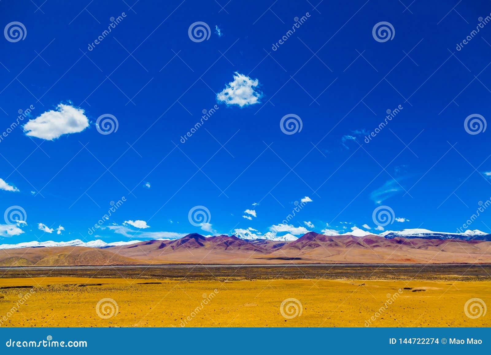 Krajobraz góra na Qinghai plateau, Chiny