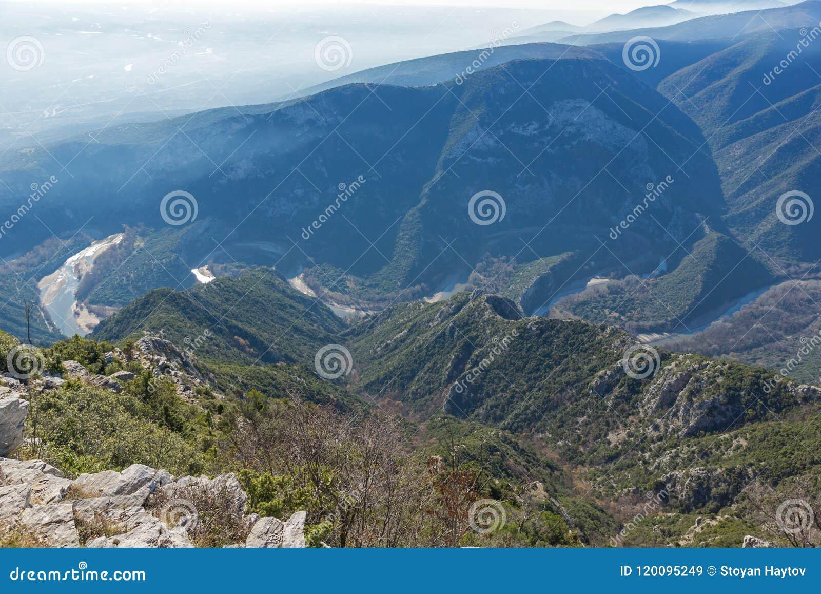 Krajobraz Nestos Rzeczny wąwóz blisko miasteczka Xanthi, Wschodni Macedonia i Thrace, Grecja