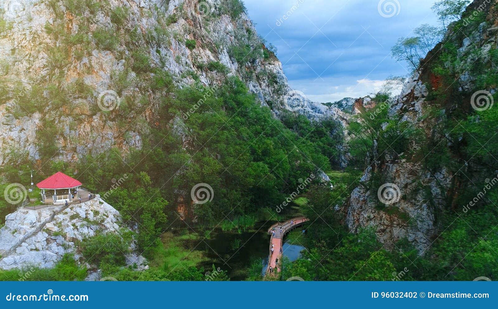 Krajobrazowy park w górze