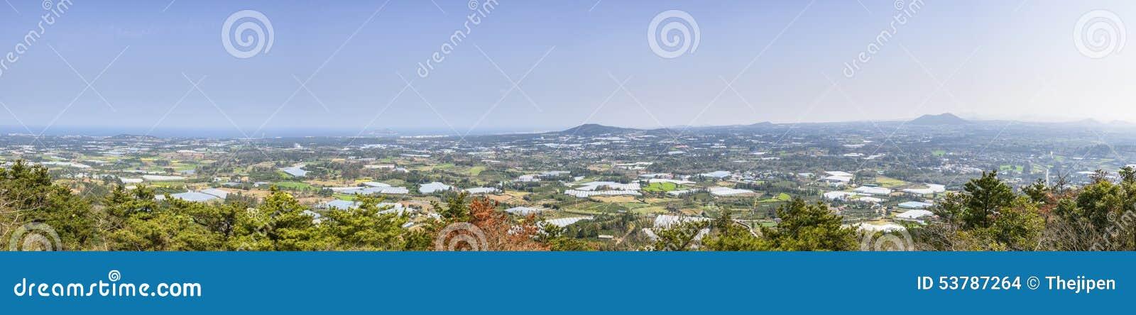 Krajobrazowy widok z wierzchu Jeoji Oreum