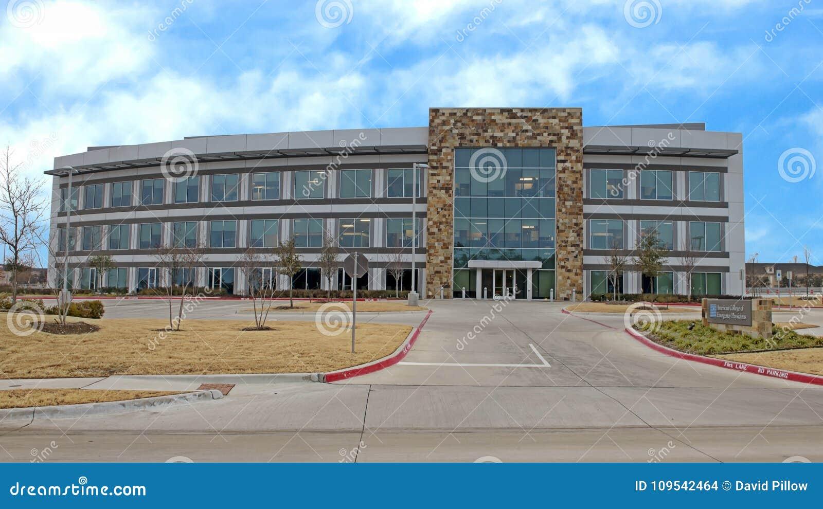 Krajowe kwatery główne, Amerykańska szkoła wyższa Przeciwawaryjni lekarzi