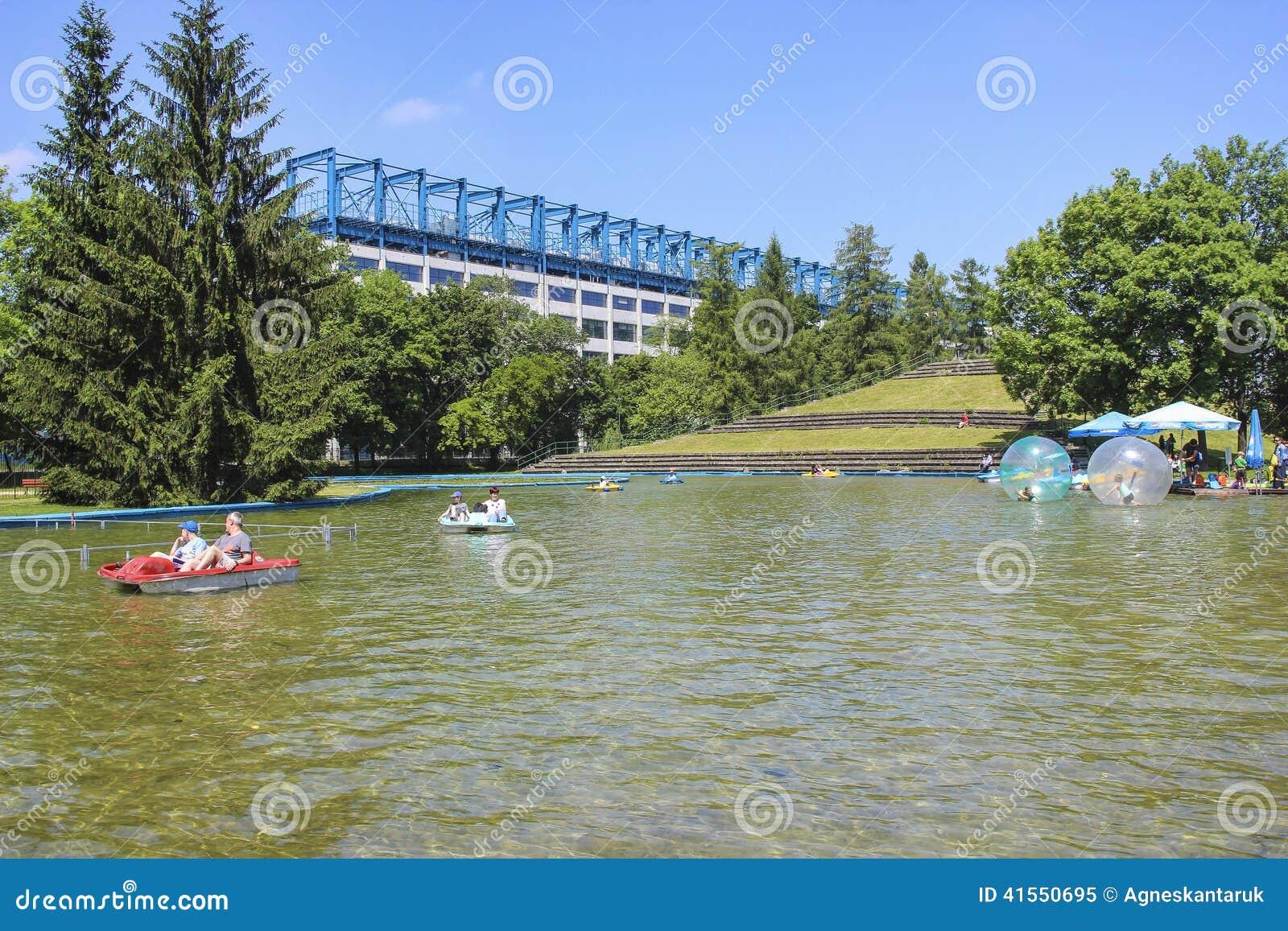 Park Als Tuin : Krakau polen jordan park ook als de tuin of het park dat van