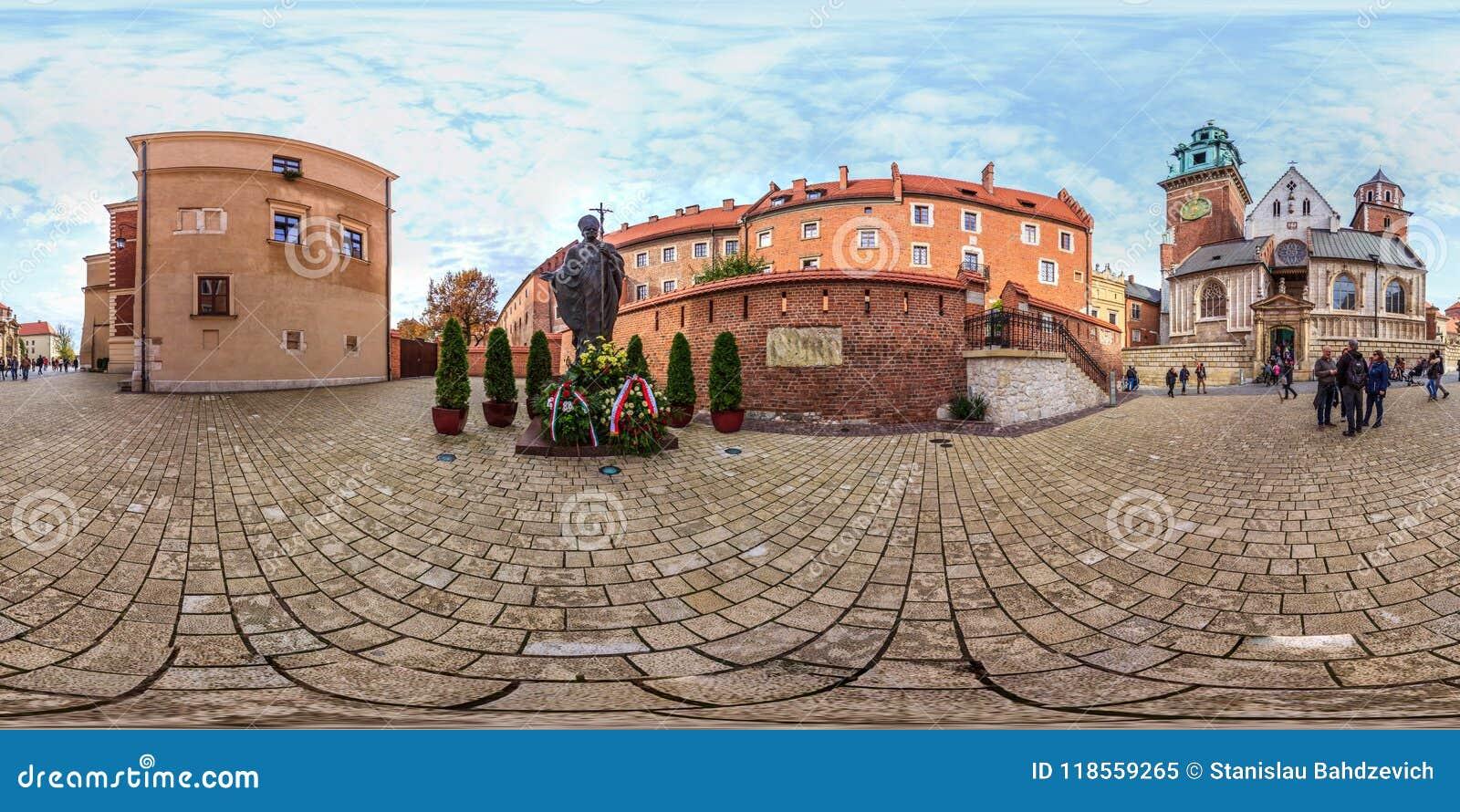 Krakov - 2018年:教宗若望保禄二世的纪念碑在克拉科夫 3D有360视角的球状全景 为虚拟现实准备 f