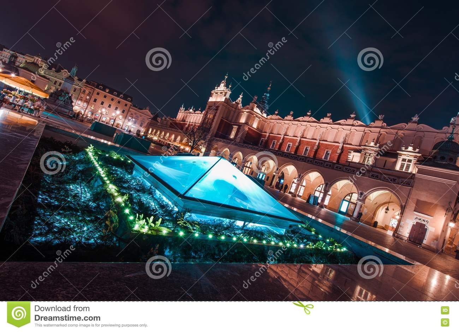 Krakow magnífico na noite