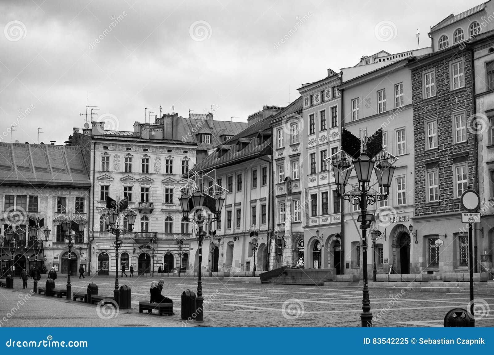 Krakow, Poland Maly Rynek em preto e branco