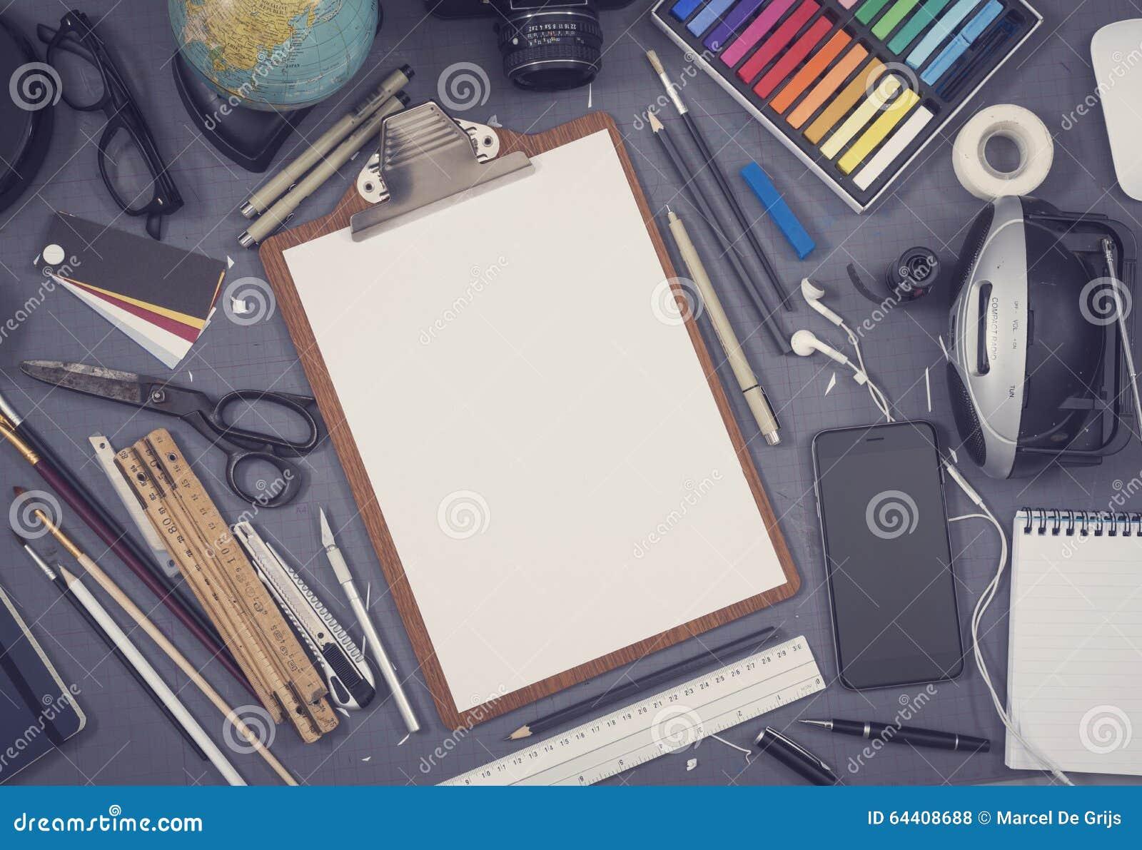 Kreatywnie architekta biurka nakreślenia mockup