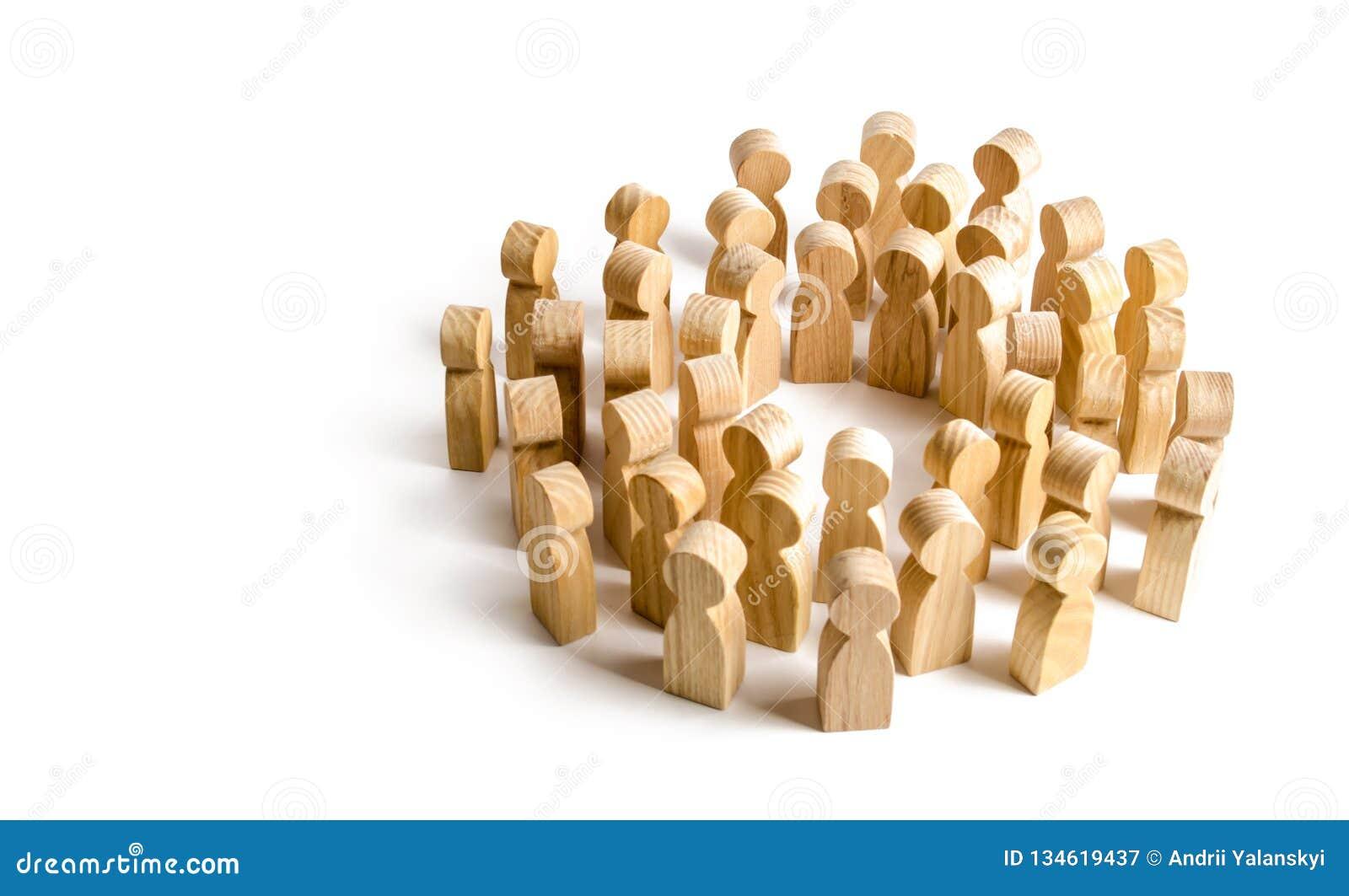 Kreis einer großen Menge der Leute Konzept von Zusammenarbeit und von Sitzung, Lösungen und Kommunikation finden Gesellschaft und