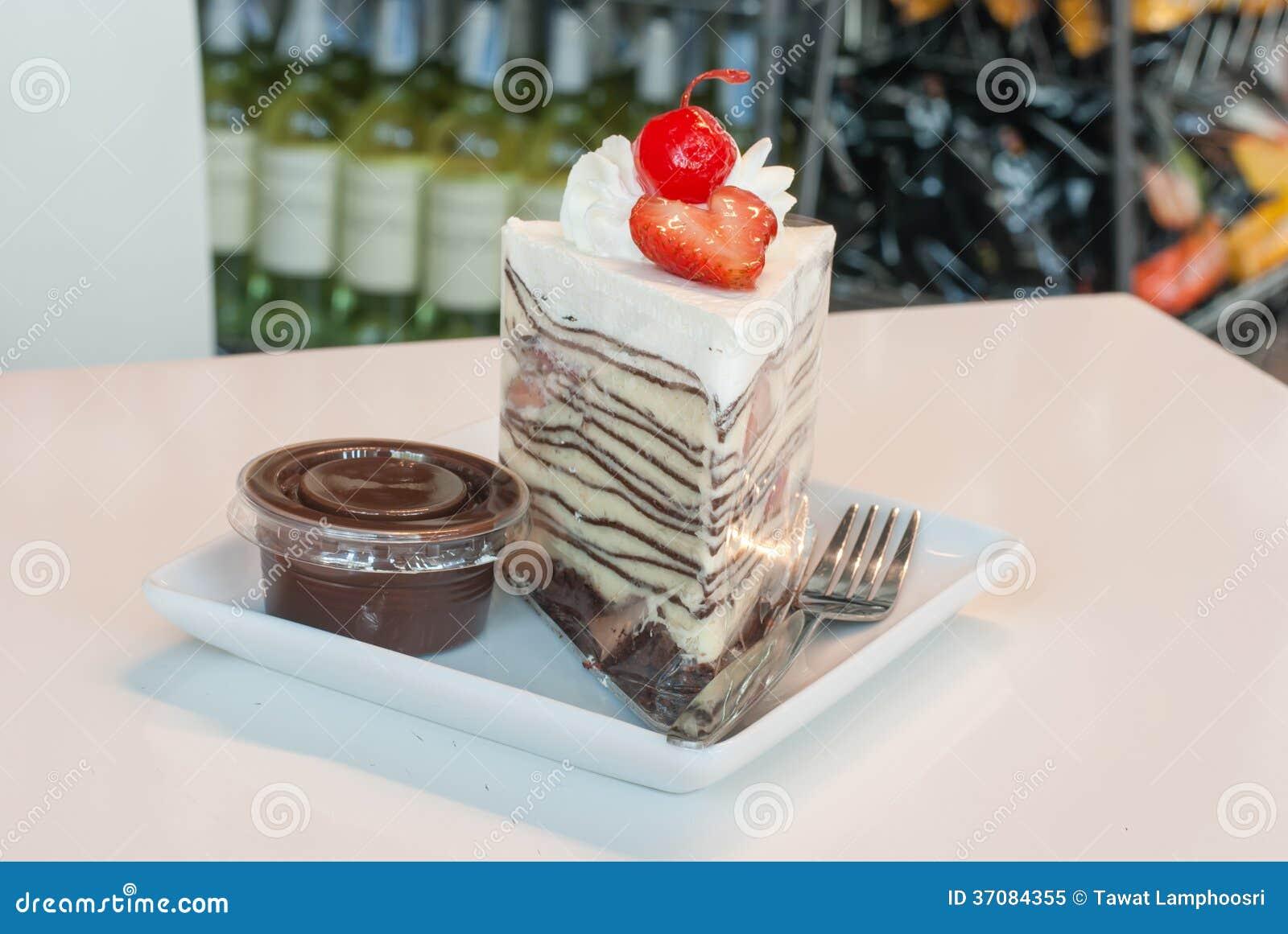 Download Krepa tort obraz stock. Obraz złożonej z smakosz, cukierki - 37084355