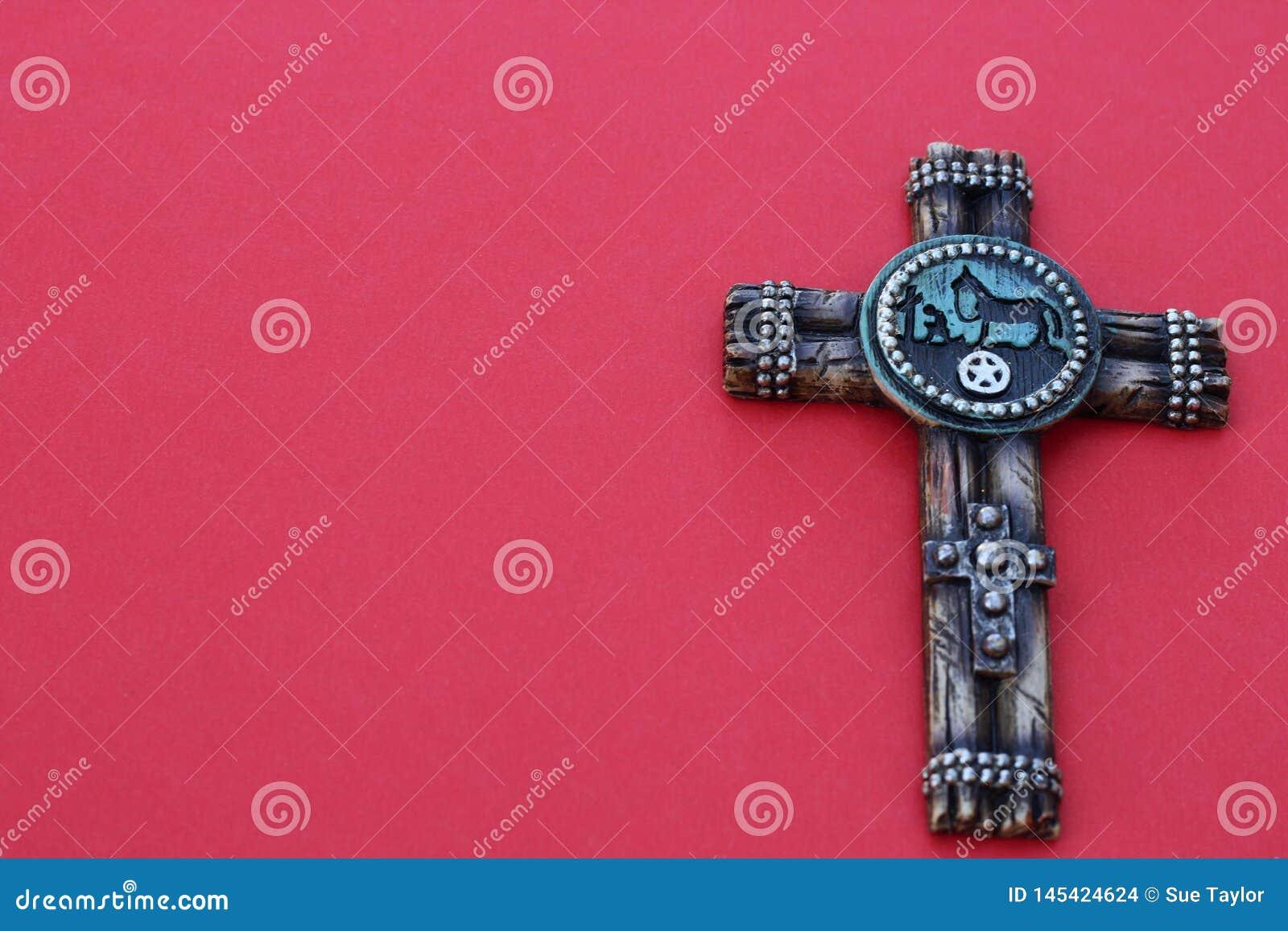 Kreuz auf einem roten Hintergrund
