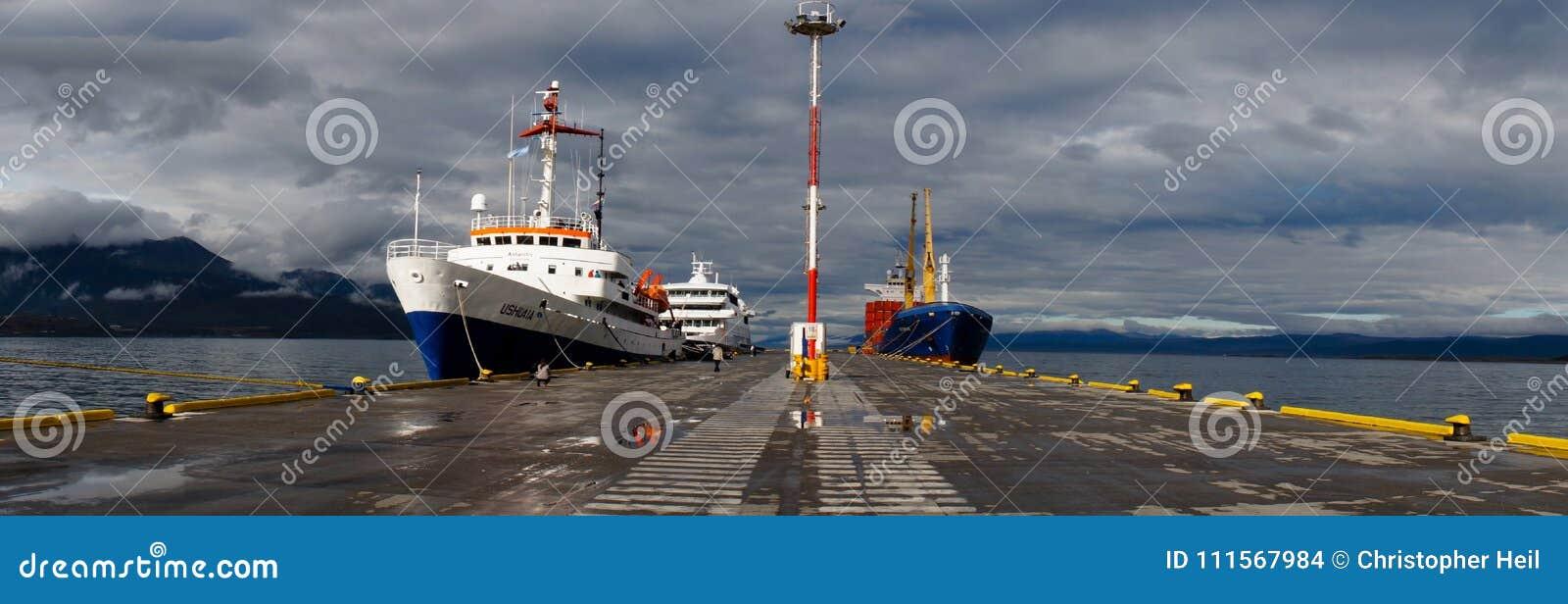 Kreuzschiff Millivolts Ushuaia bereit, Enterichdurchgang nach die Antarktis zu kreuzen