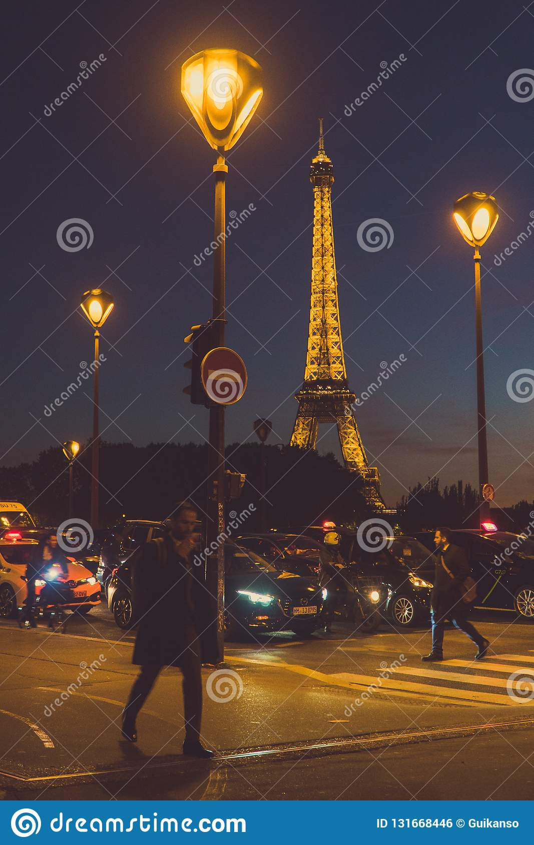 Kreuzungsstraße in Paris