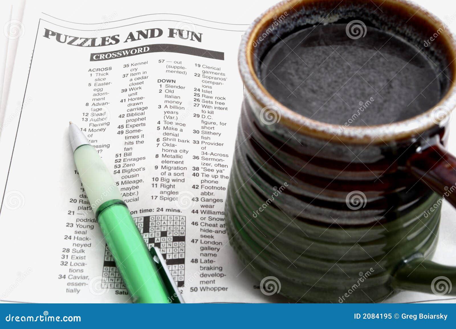 Kreuzworträtsel und Kaffee