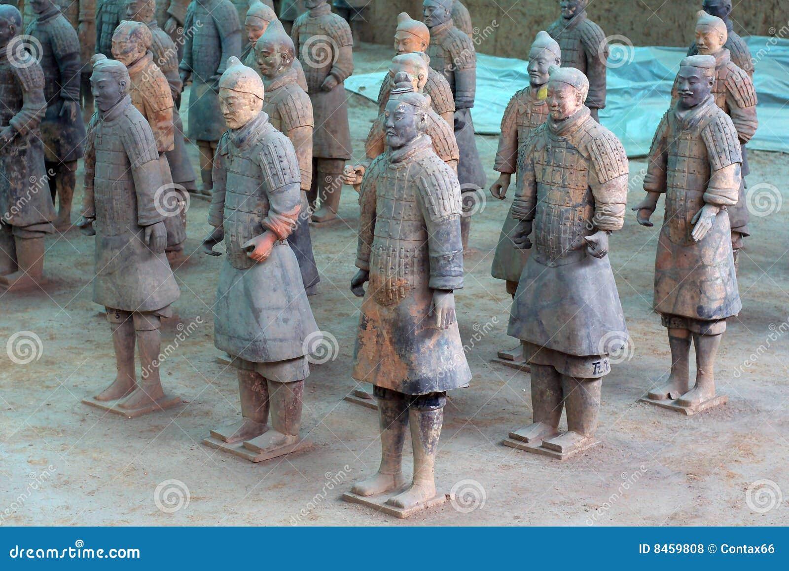 Krigare xian för porslinhästterrakotta