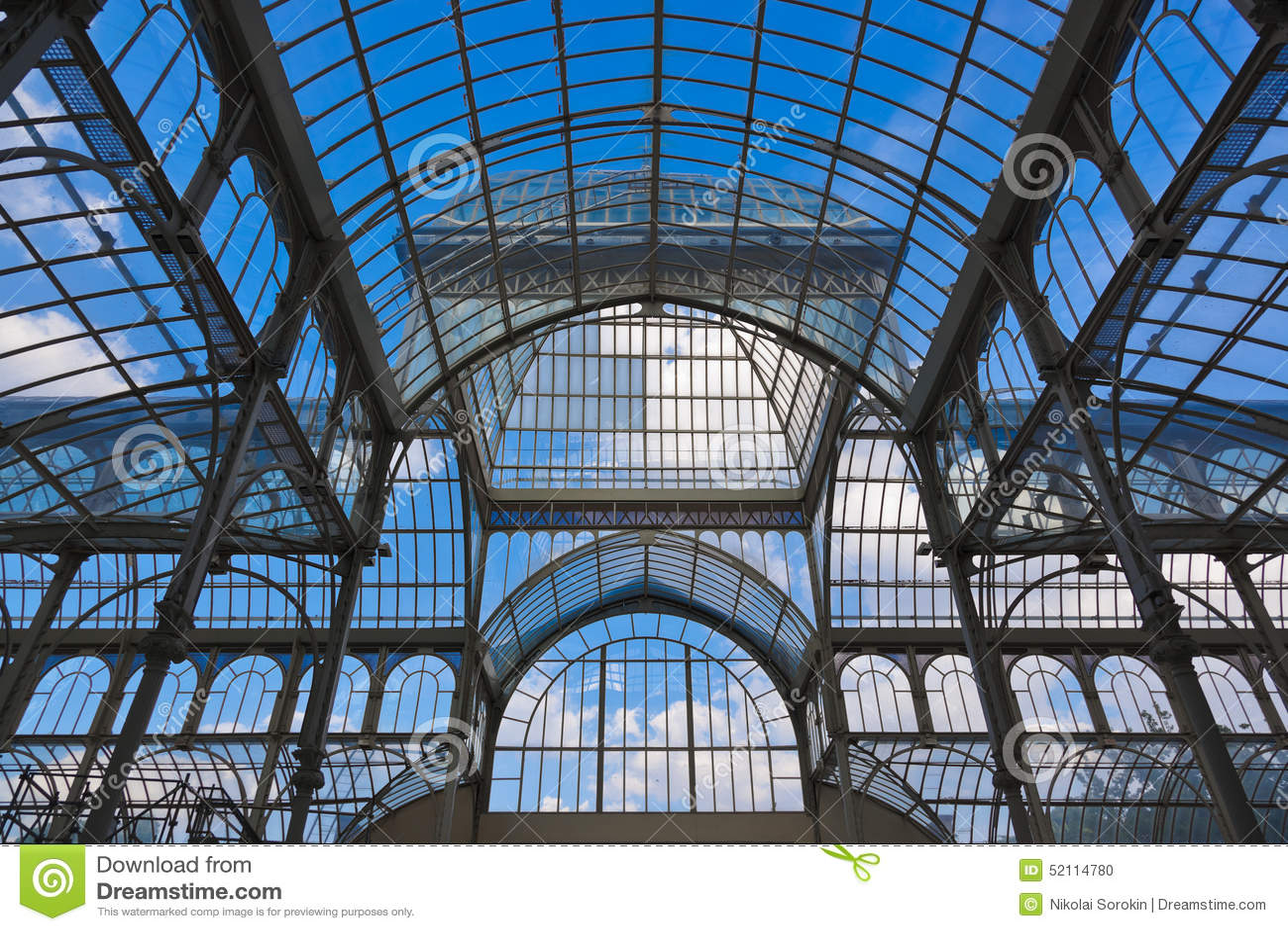 Kristallpalast In Madrid Spanien Stockfoto - Bild von grenzstein ...