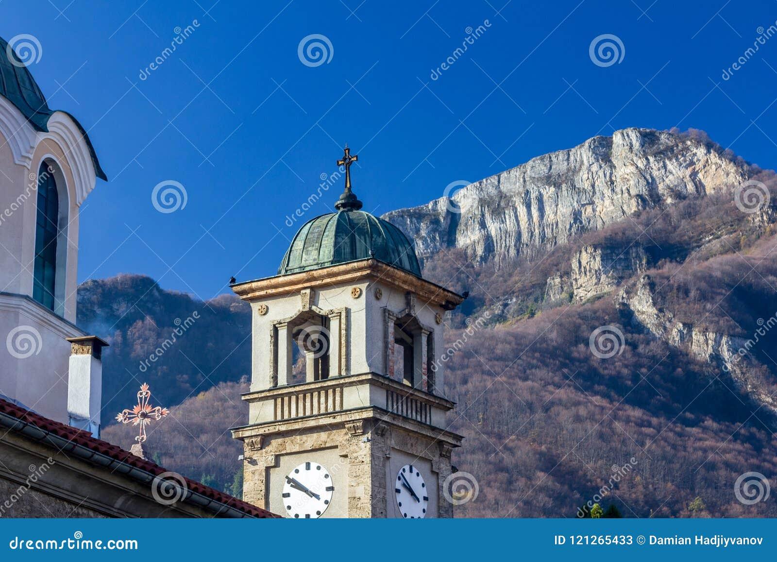 Kristen kyrka i staden av Teteven, Bulgarien
