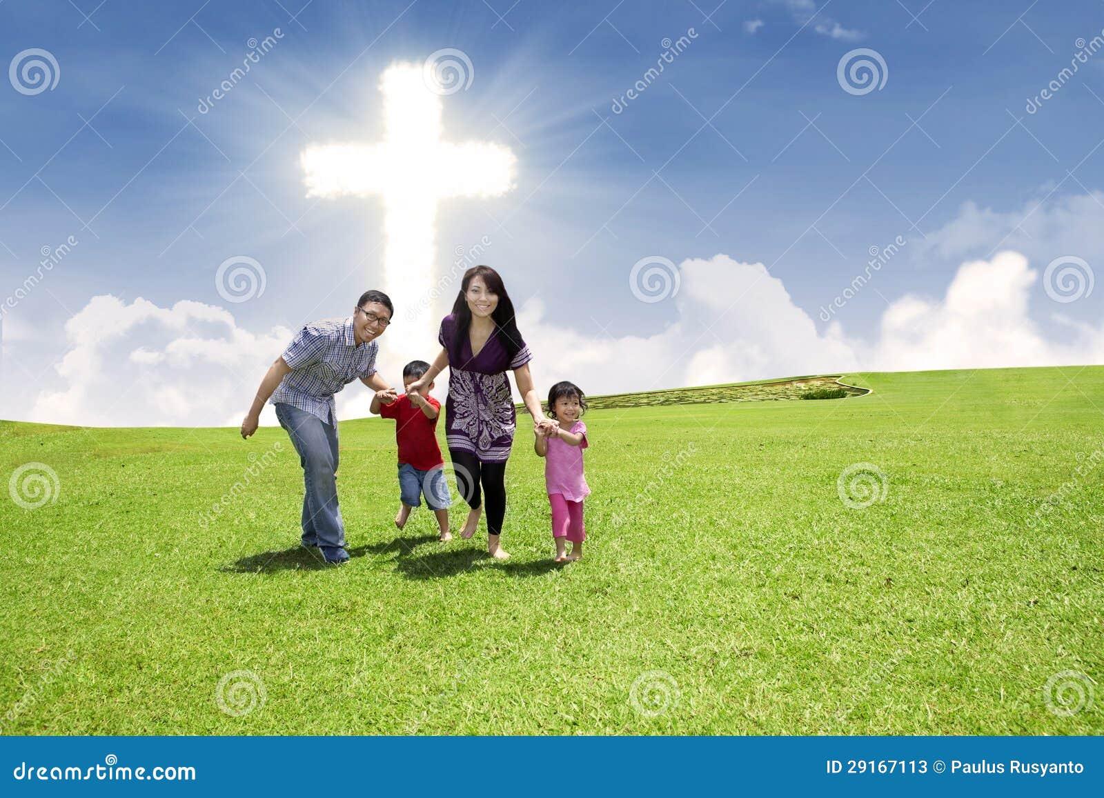 Kristet familjspring parkerar in