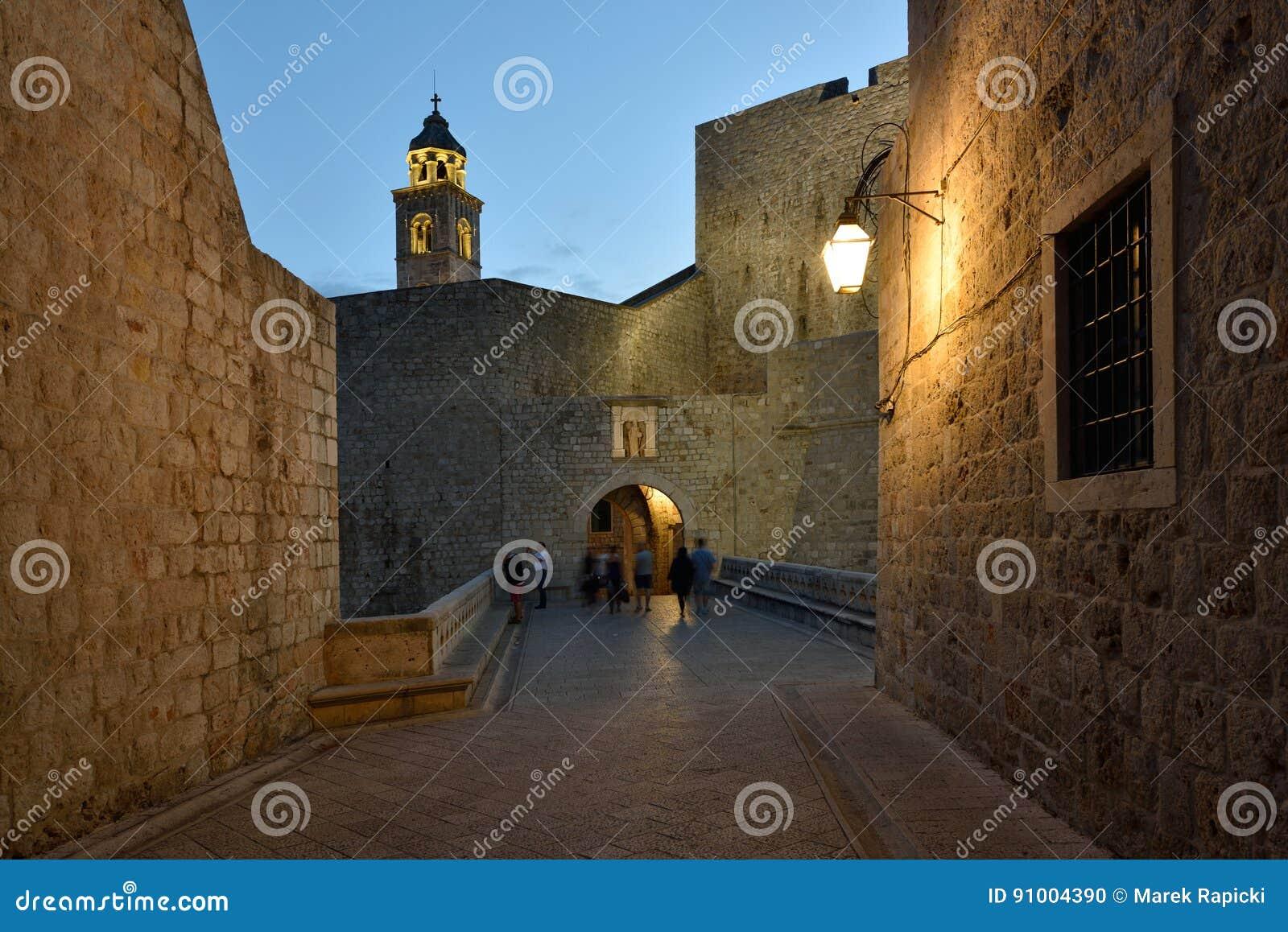 Kroatien Dubrovnik, omgivning av den Ploce porten