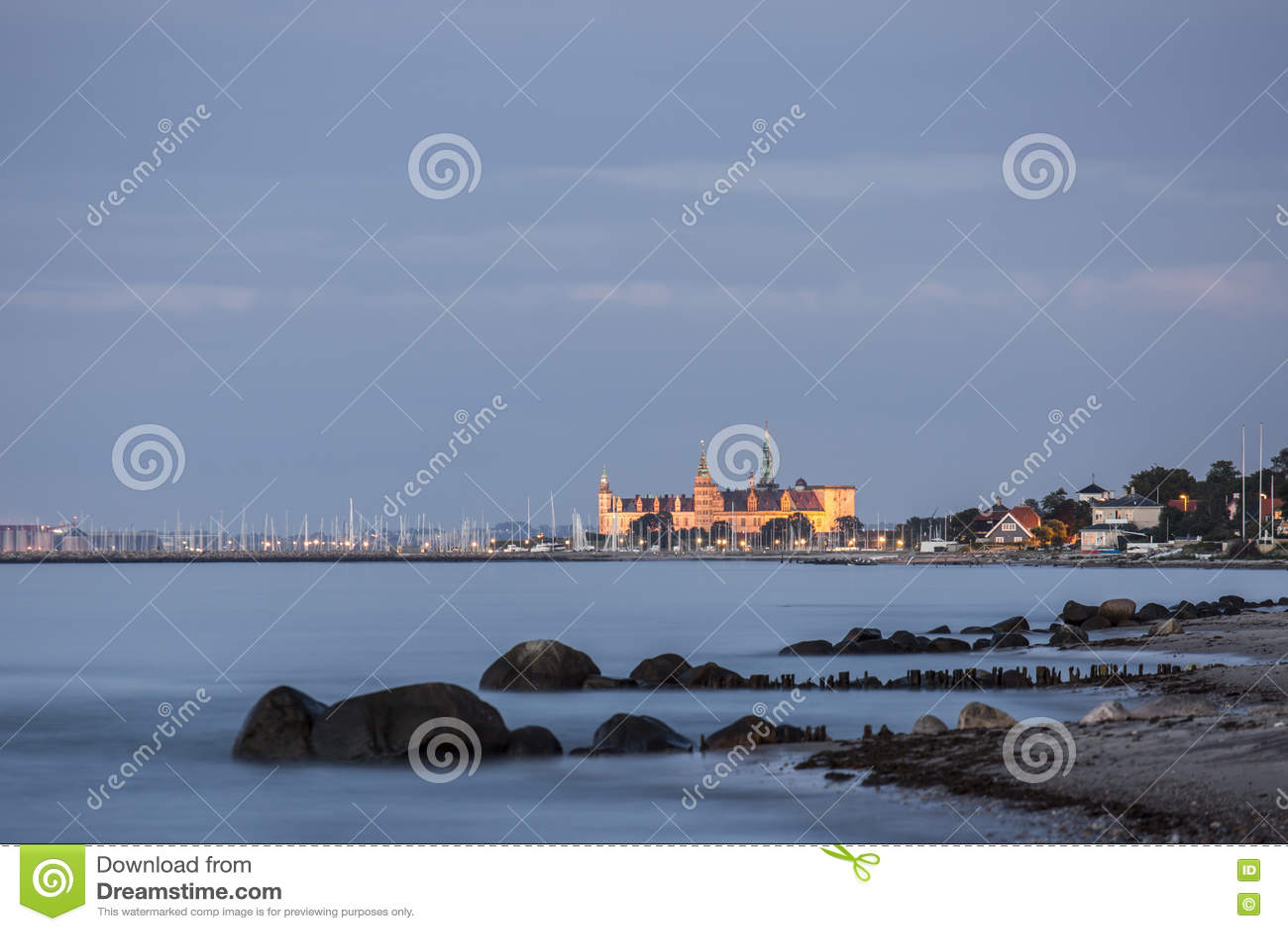 Kronborg Castle στην μπλε ώρα του λυκόφατος