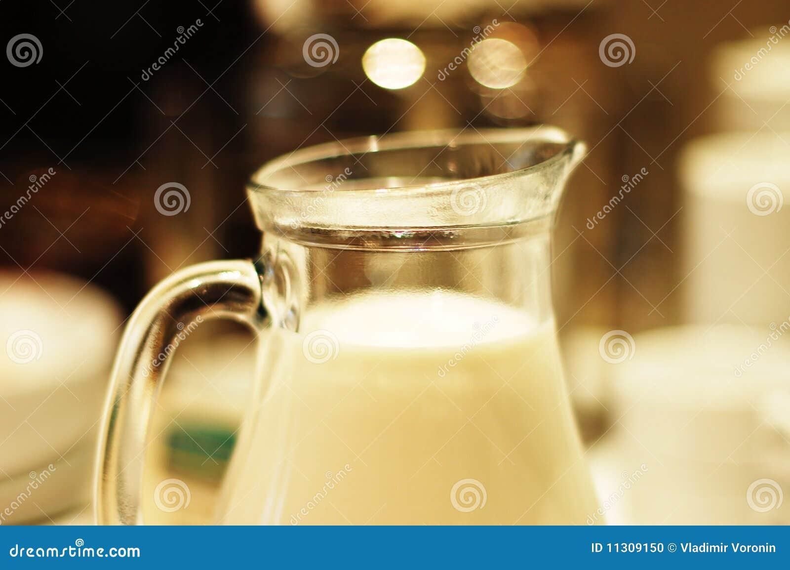 Krug mit Milch