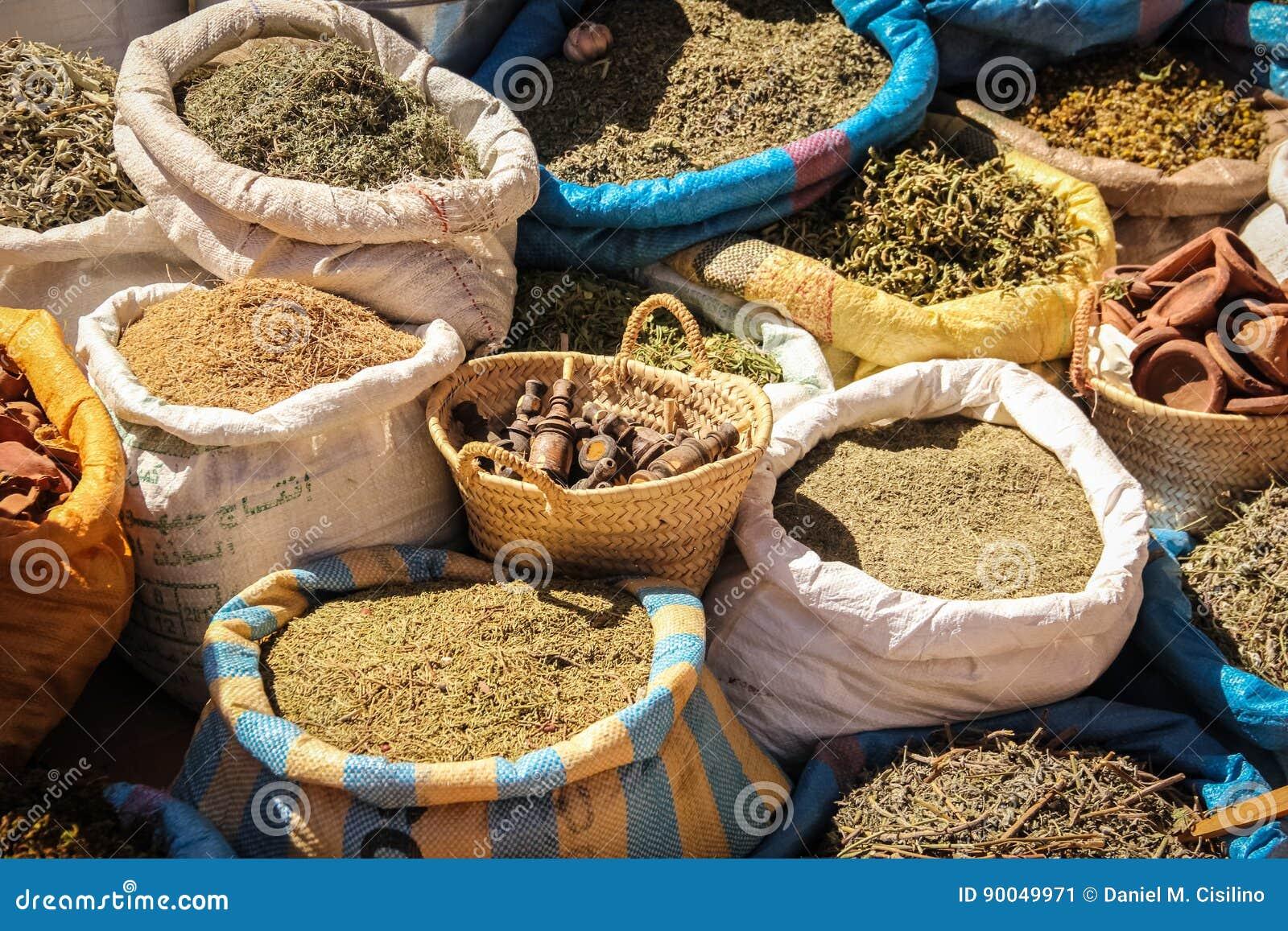 Kruiden voor verkoop in Souk Ouarzazate marokko
