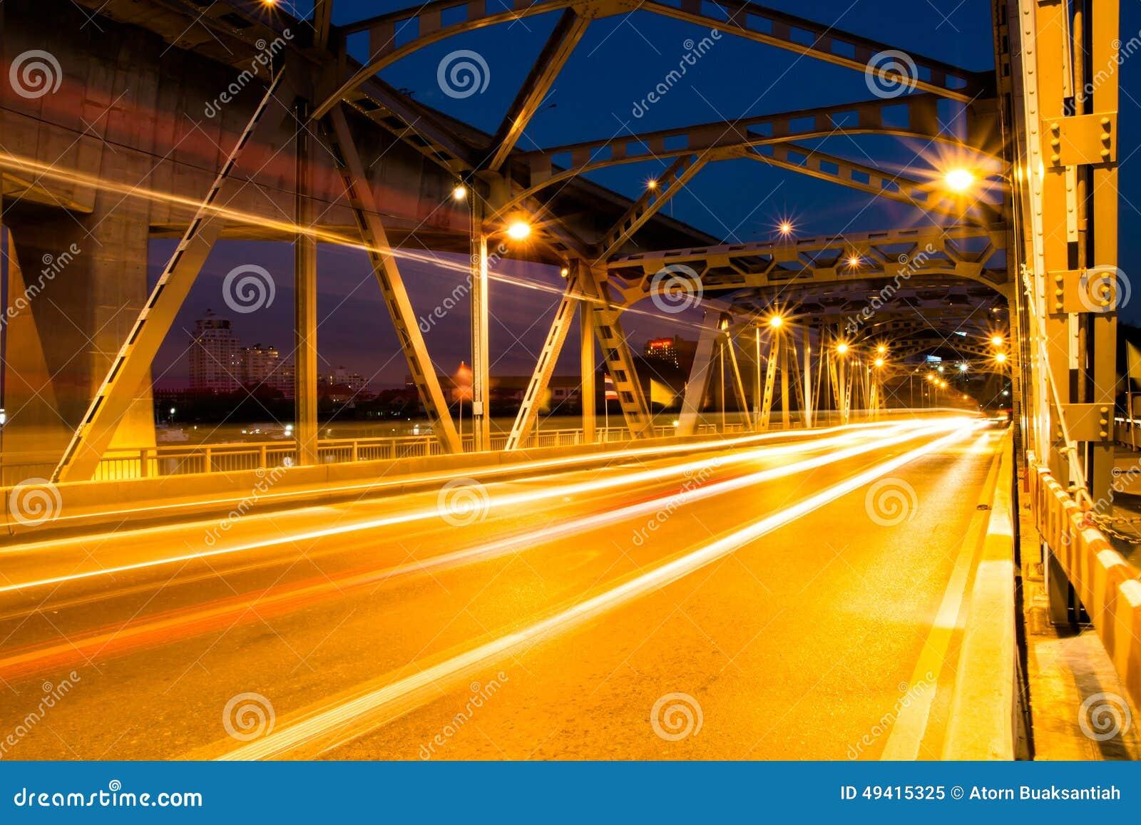 Download Krungthep-Brückenstrahlnlicht In Bangkok Thailand Stockbild - Bild von szene, laser: 49415325