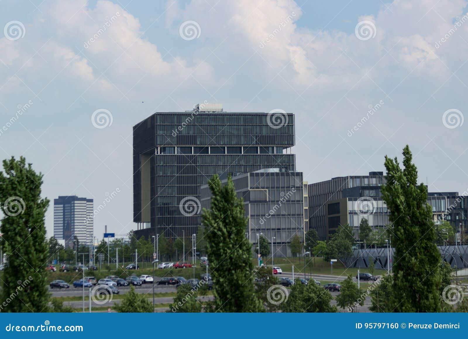 Krupp högkvarter på horisonten