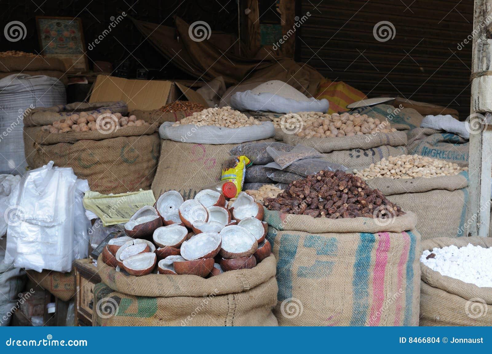 Kryddar den nuts försäljningen för marknaden gatan