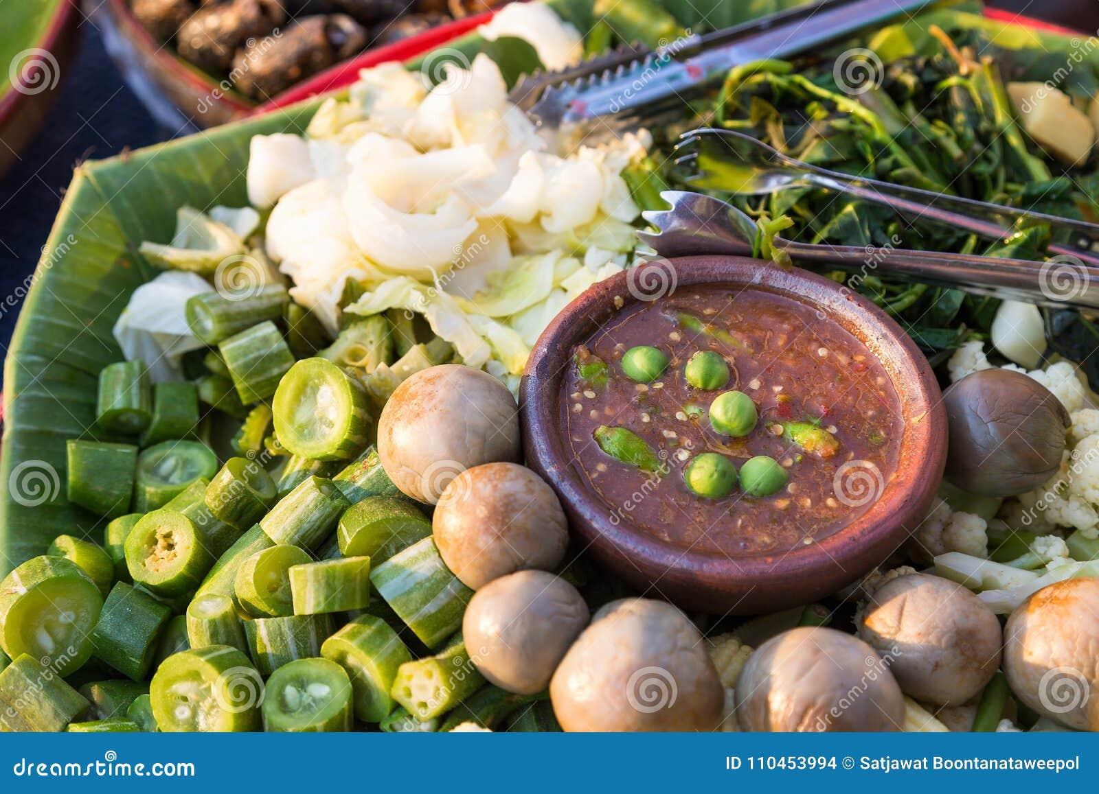 Kryddig räkadeg- och grönsakuppsättning