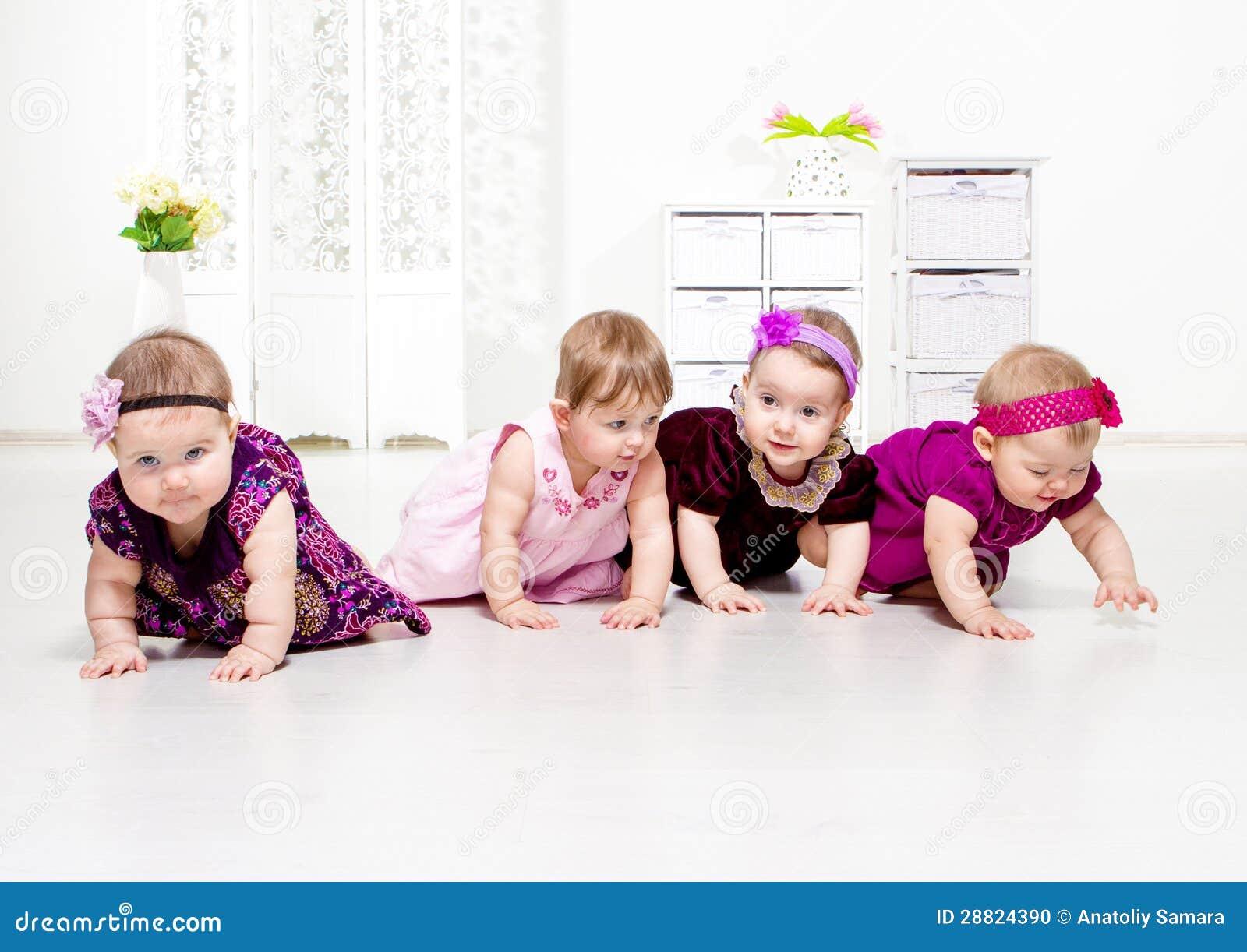 Krypa för litet barnflickor