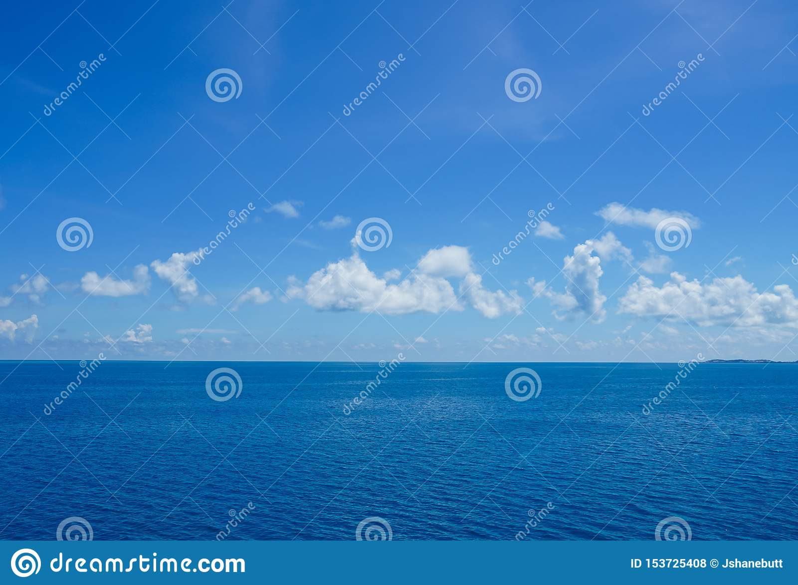 Kryssa omkring på havet