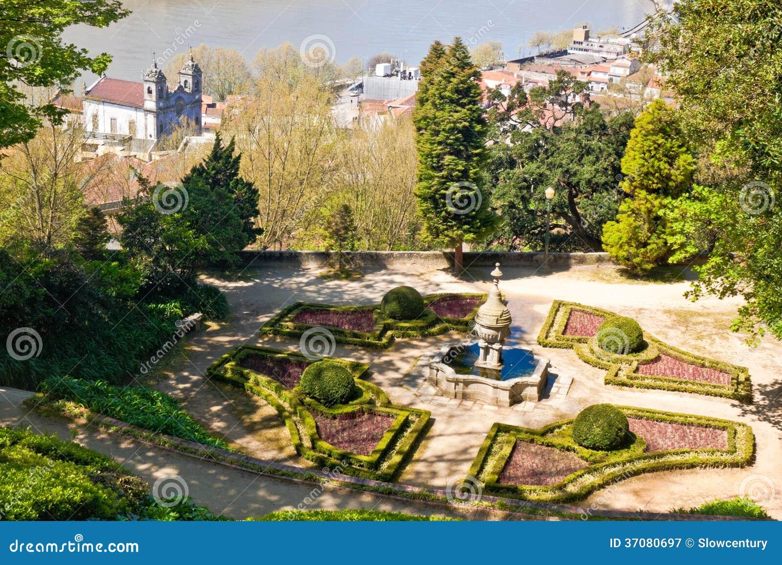 Download Krystaliczny Pałac Uprawia Ogródek W Porto Obraz Stock - Obraz złożonej z kościół, plenerowy: 37080697