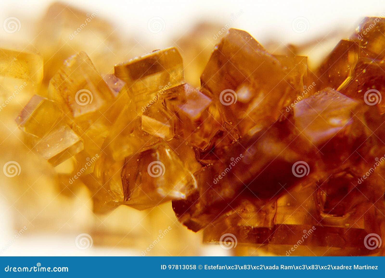 Krystalizujący brown cukier