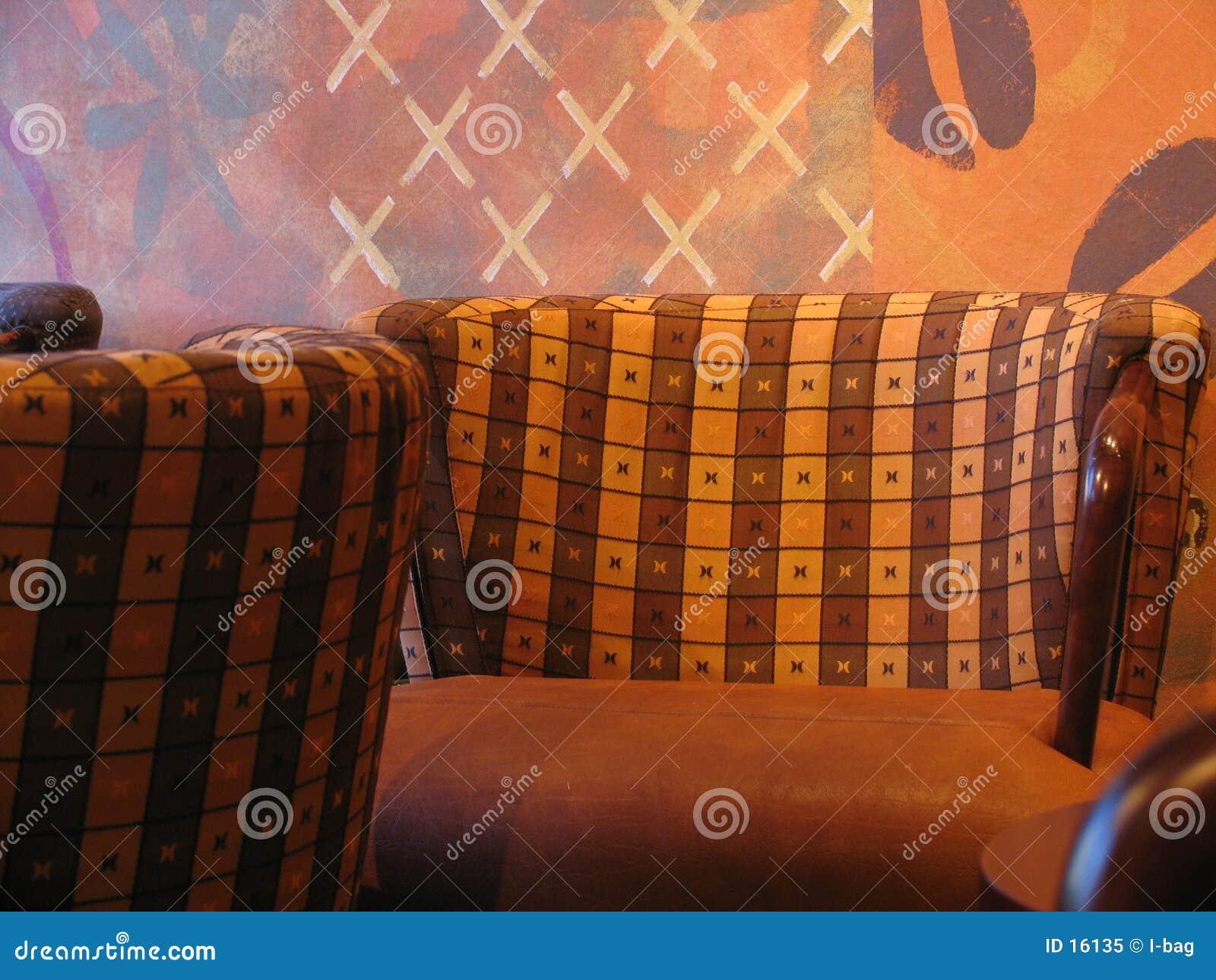 Krzesła w kawiarni