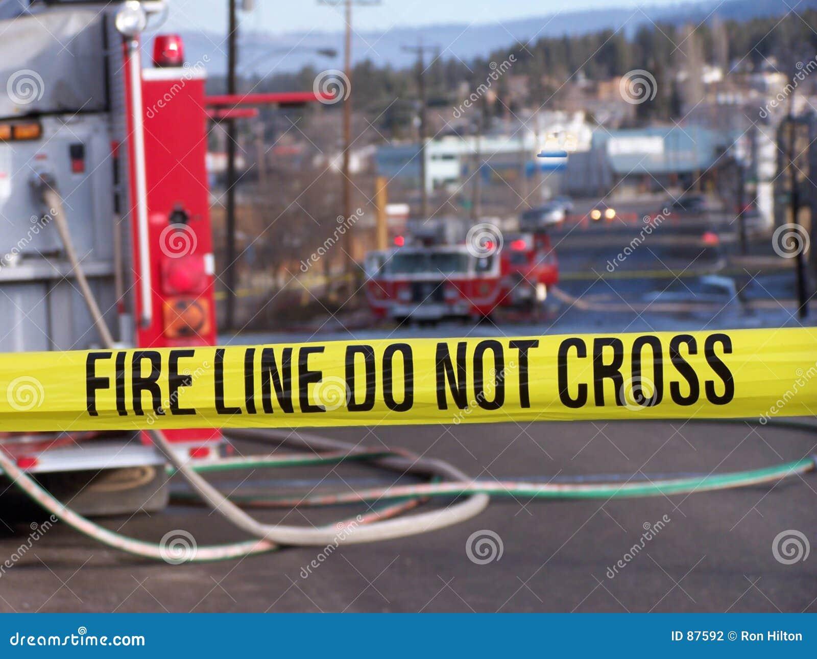 Krzyż czyni przeciwpożarowej nie linii