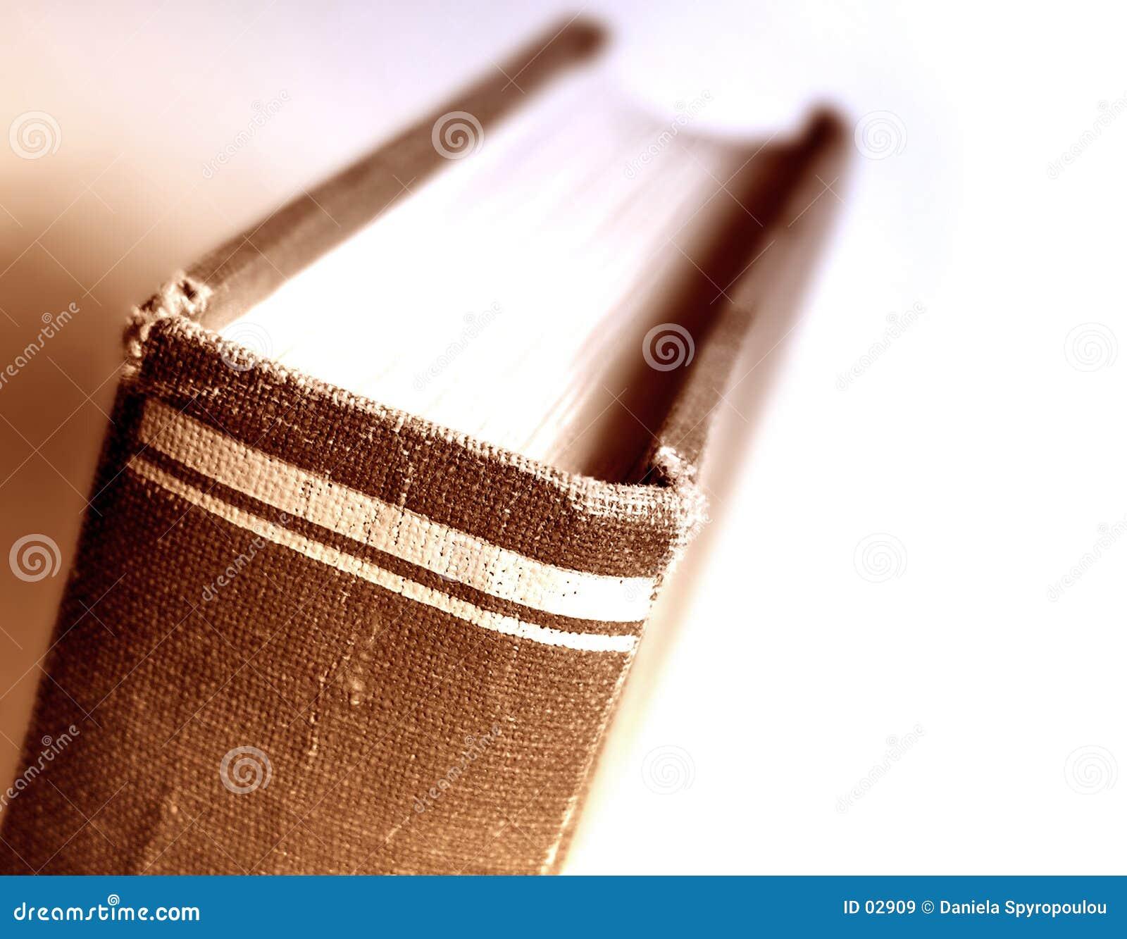 Książka z bliska