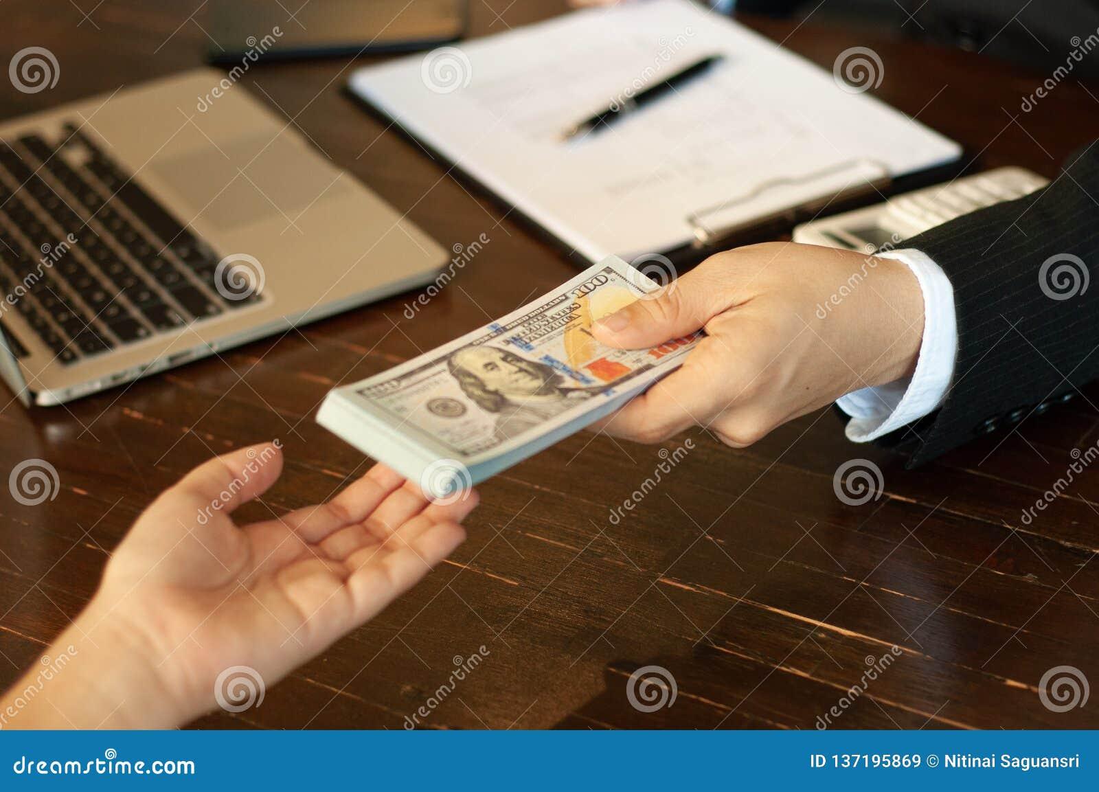 Księgowy i pieniężny biznesowy pieniądze