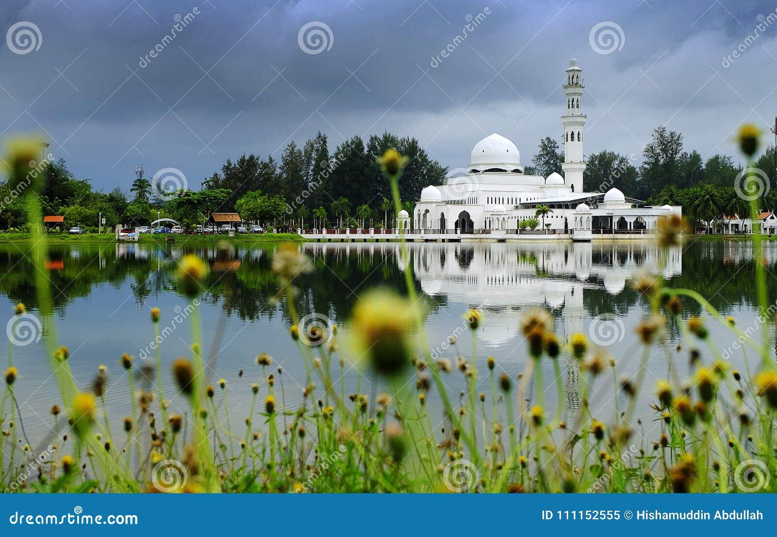 Kuala Ibai Mosque muy hermoso en Terengganu