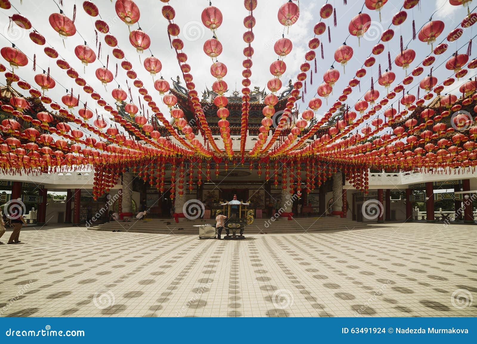 KUALA LUMPUR, MALÁSIA - 15 DE MARÇO DE 2014 Templo de Thean Hou em Kuala Lumpur Malaysia