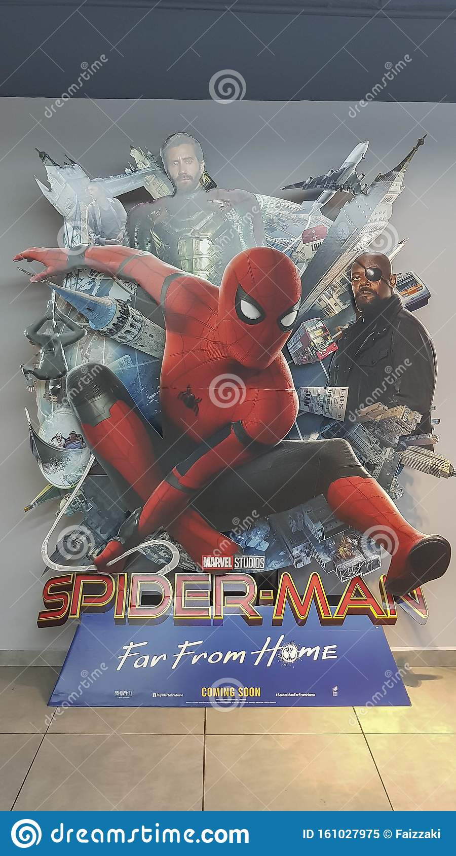 """Far From Home/"""" /& Free Signed Jake Gyllenhaal Movie Poster 2019  /""""Spider-Man"""