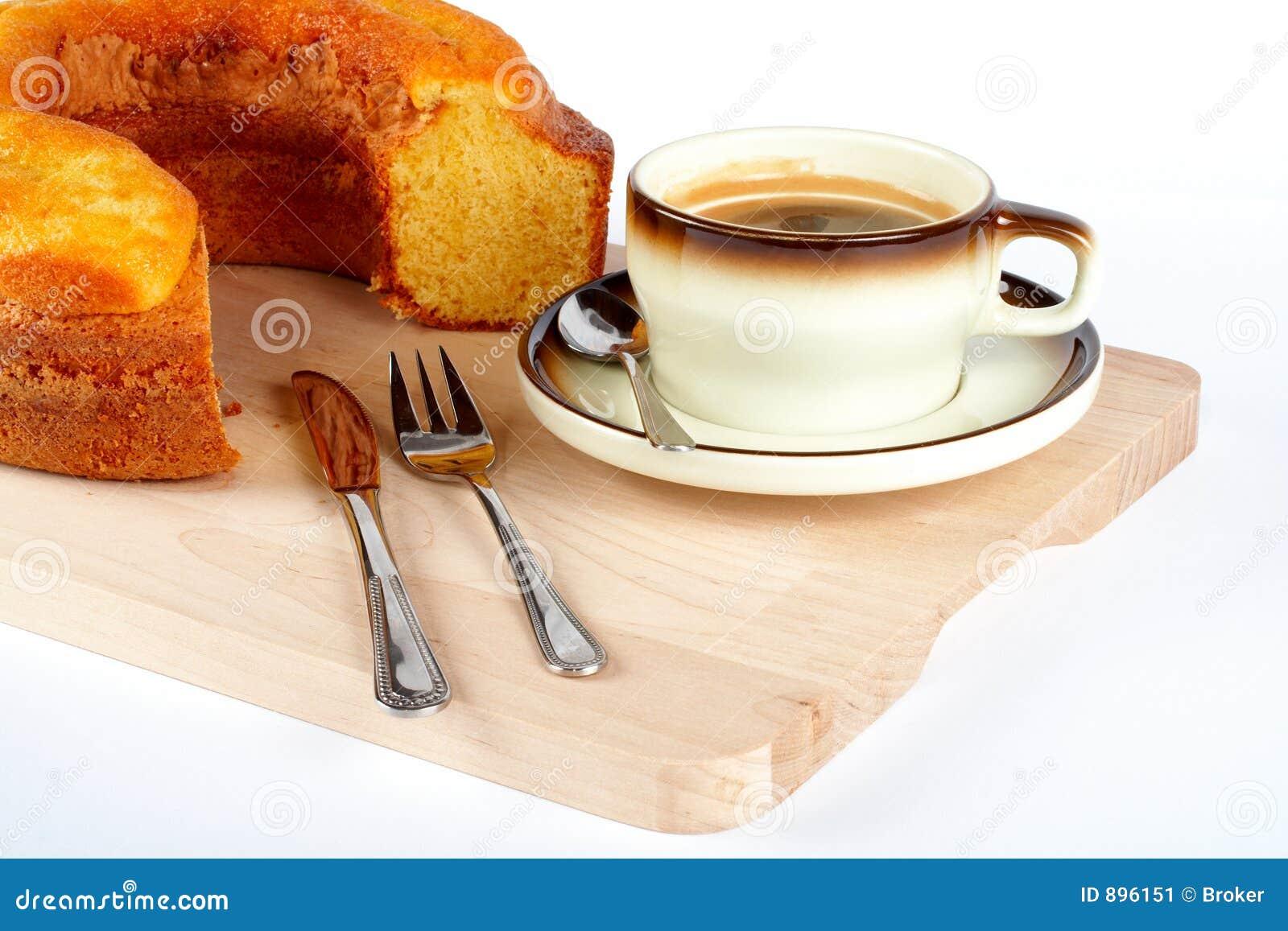 Kubki ciasta widelce noża płytkę gąbki łyżki drewna
