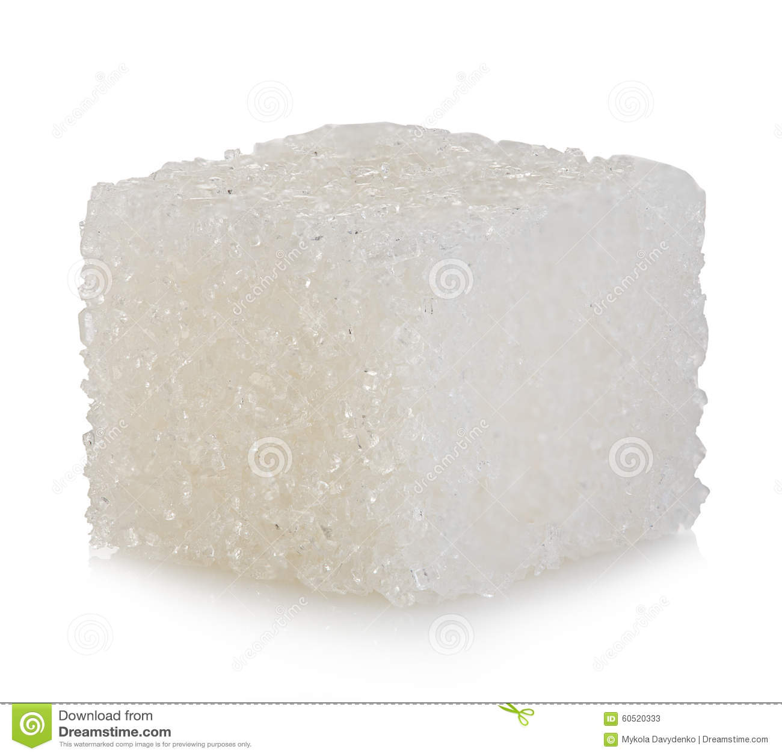 Kubus van suiker op wit wordt geïsoleerd dat