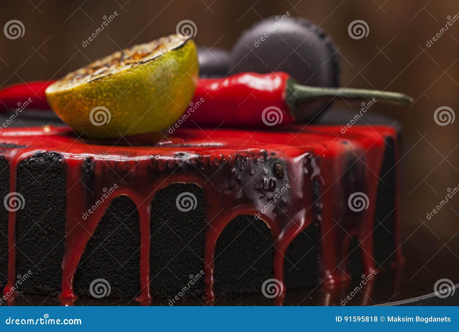 Kuchen Bedeckt Mit Schwarzem Samt Mit Kalk Paprikapfeffer Und