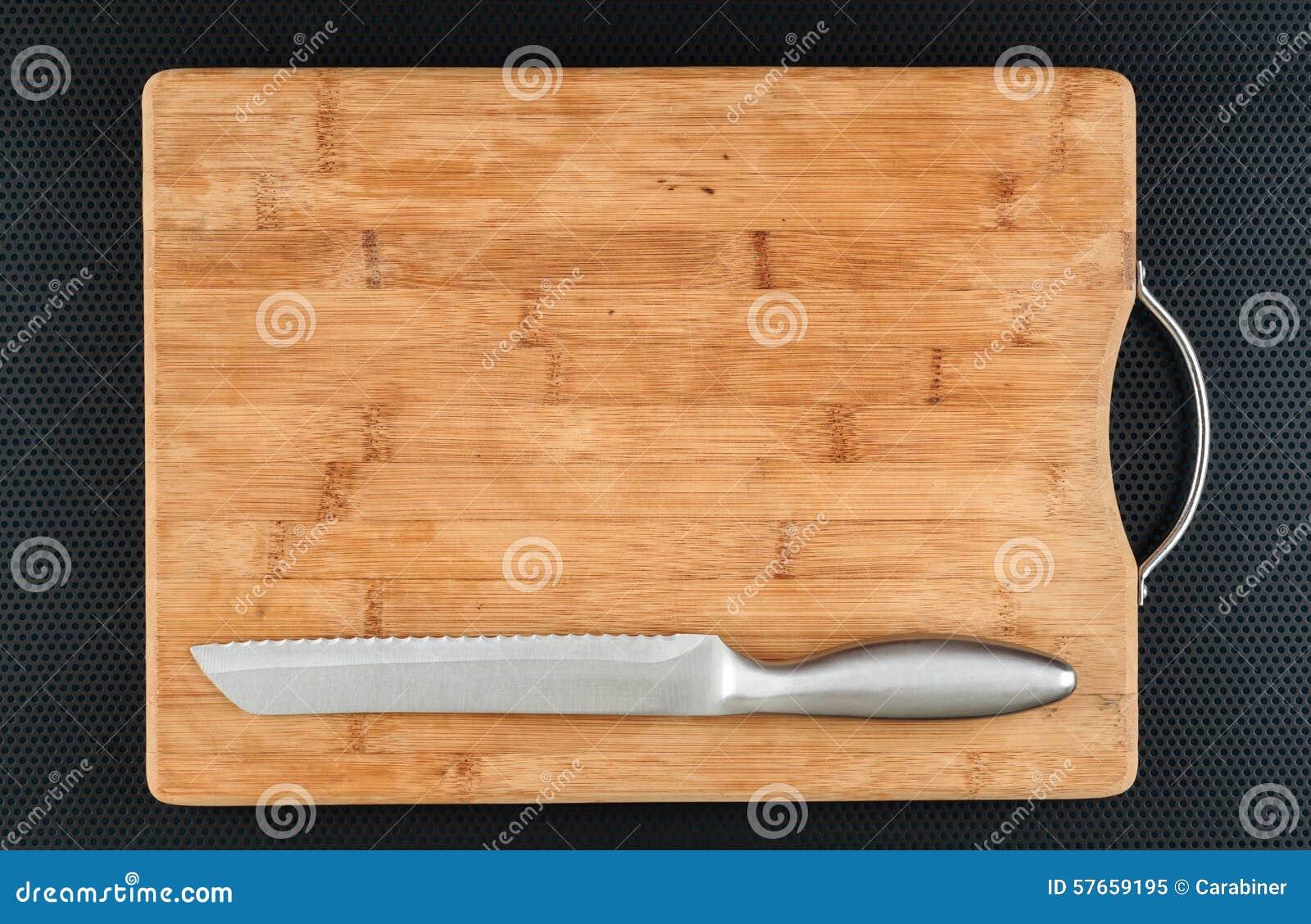 Kuchenna tnąca deska i nóż na stole