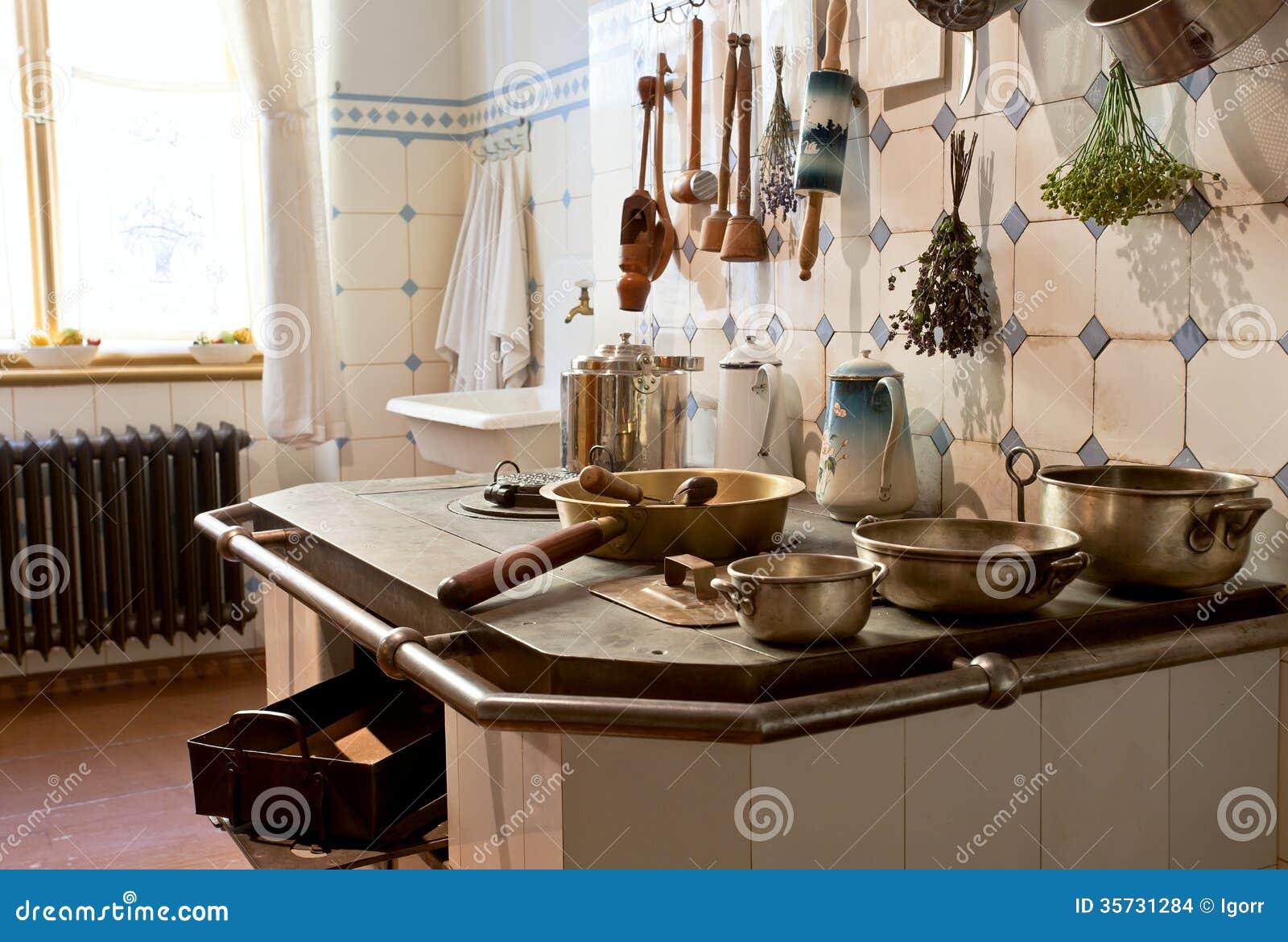 Kuchnia Xix Wiek Zdjecie Stock Obraz Zlozonej Z Niecka 35731284