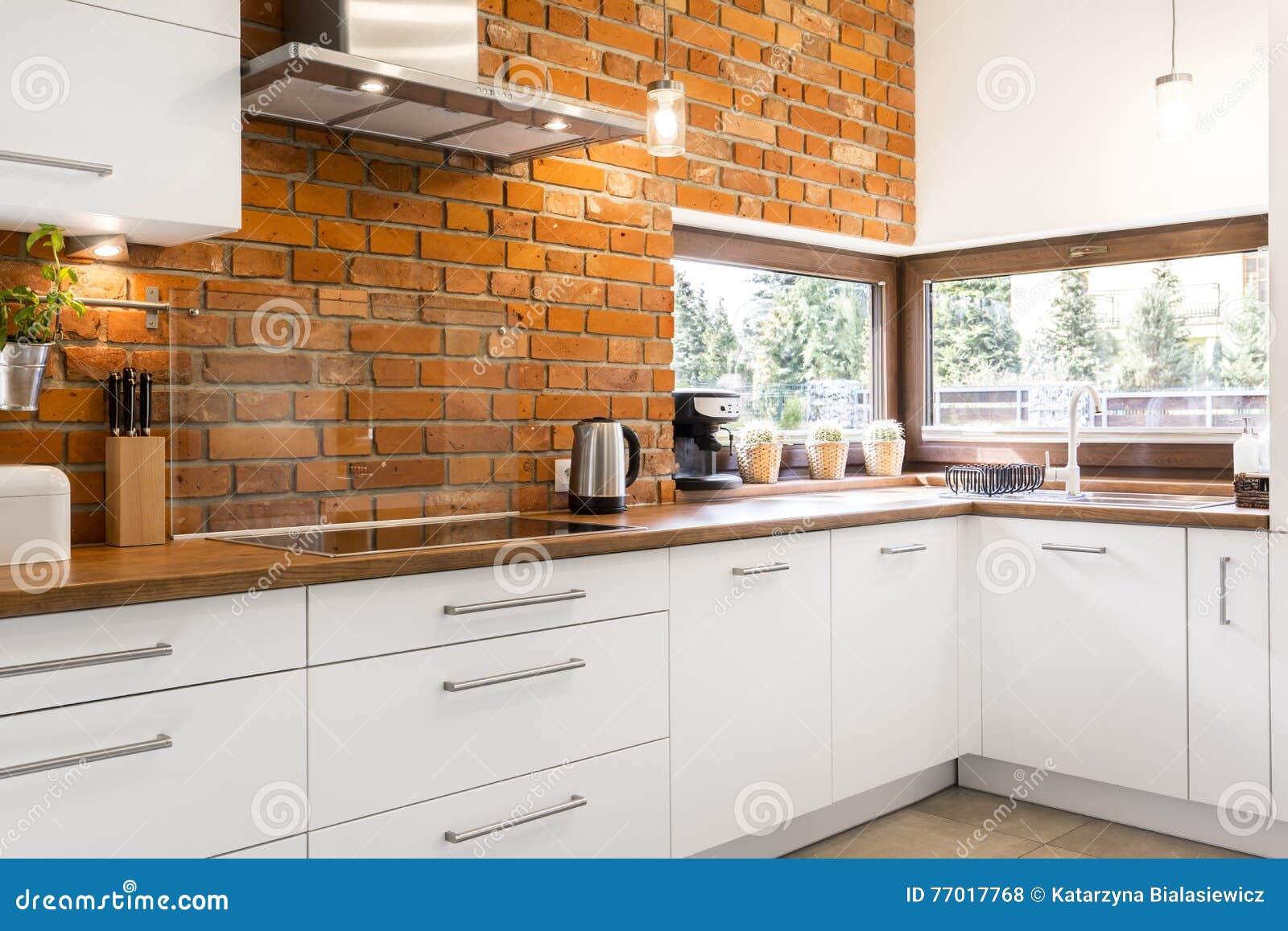 Kuchnia Z ściana Z Cegieł Zdjęcie Stock Obraz Złożonej Z