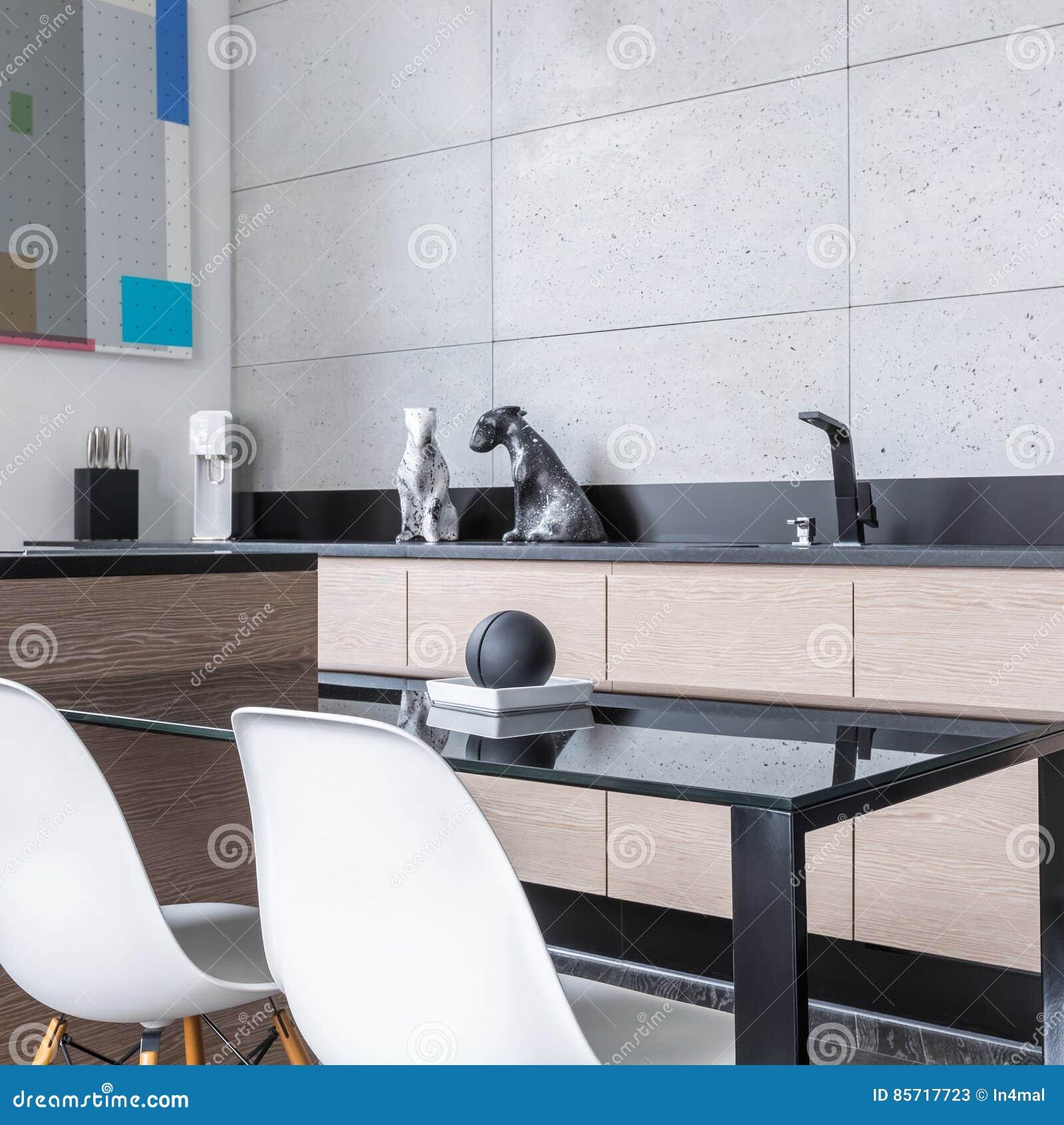 Kuchnia Z Wyspa I Stolem Obraz Stock Obraz Zlozonej Z Architektury