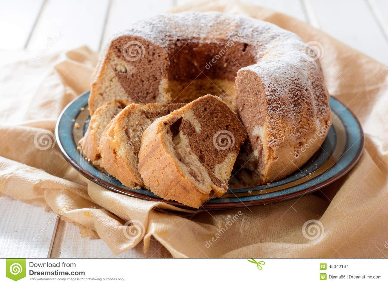 kugelhopf-sliced-traditional-austrian-cake-called-kugelhof-selective ...