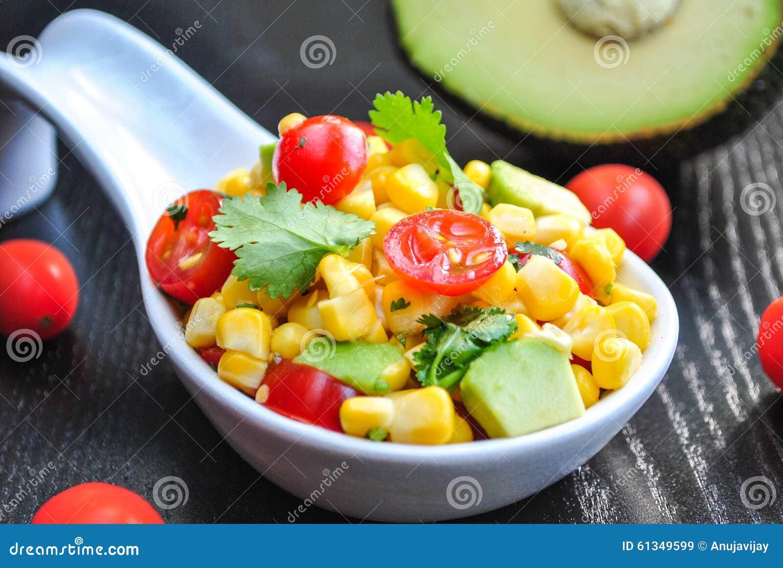 Kukurudzy i Avocado sałatka