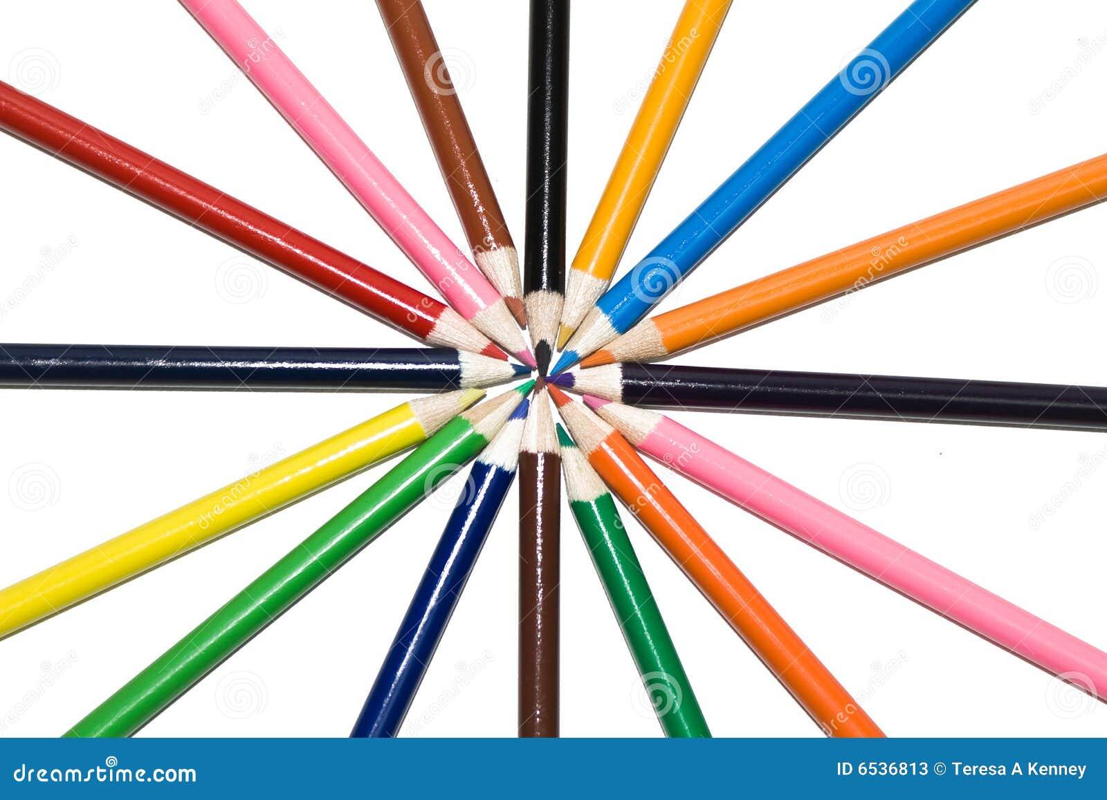 Kulöra blyertspennor i cirkel